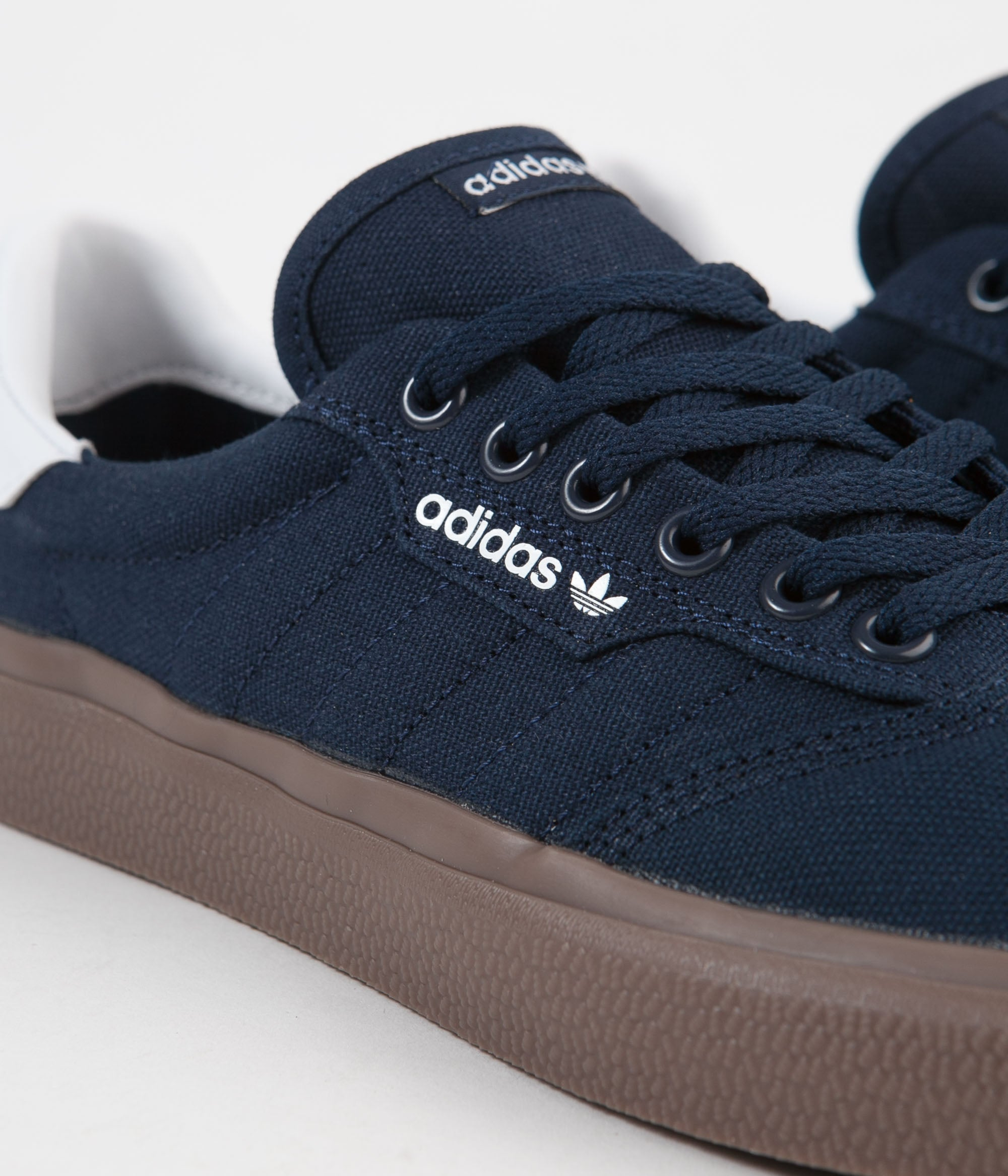 Mansedumbre historia Robusto  Adidas 3MC Shoes - Collegiate Navy / White / Gum | Flatspot