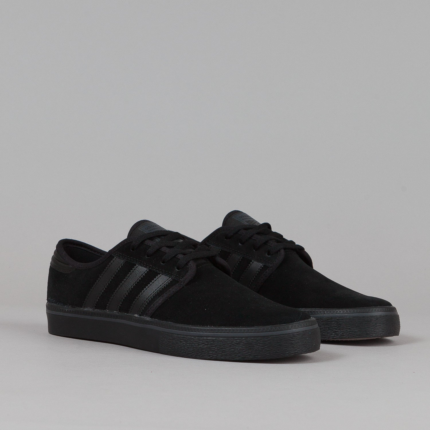 Adidas Seeley Adv Shoes - Core Black / Core Black