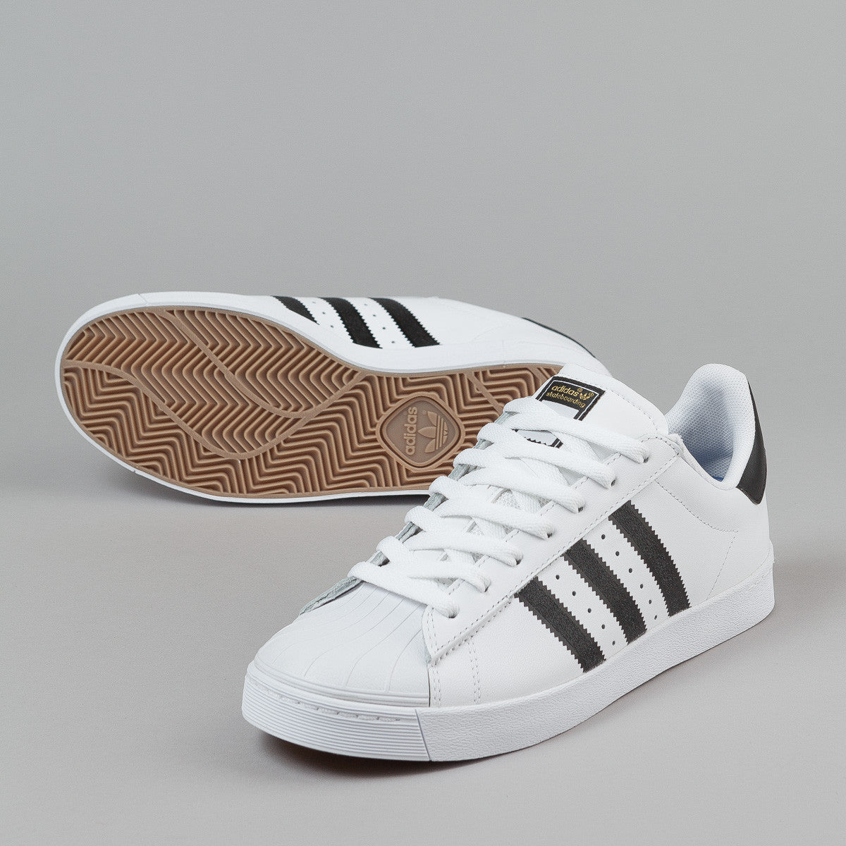 2e0b9bcda41ef3 ... Kids adidas Superstar J GS White Black Ice Size 4 B42369