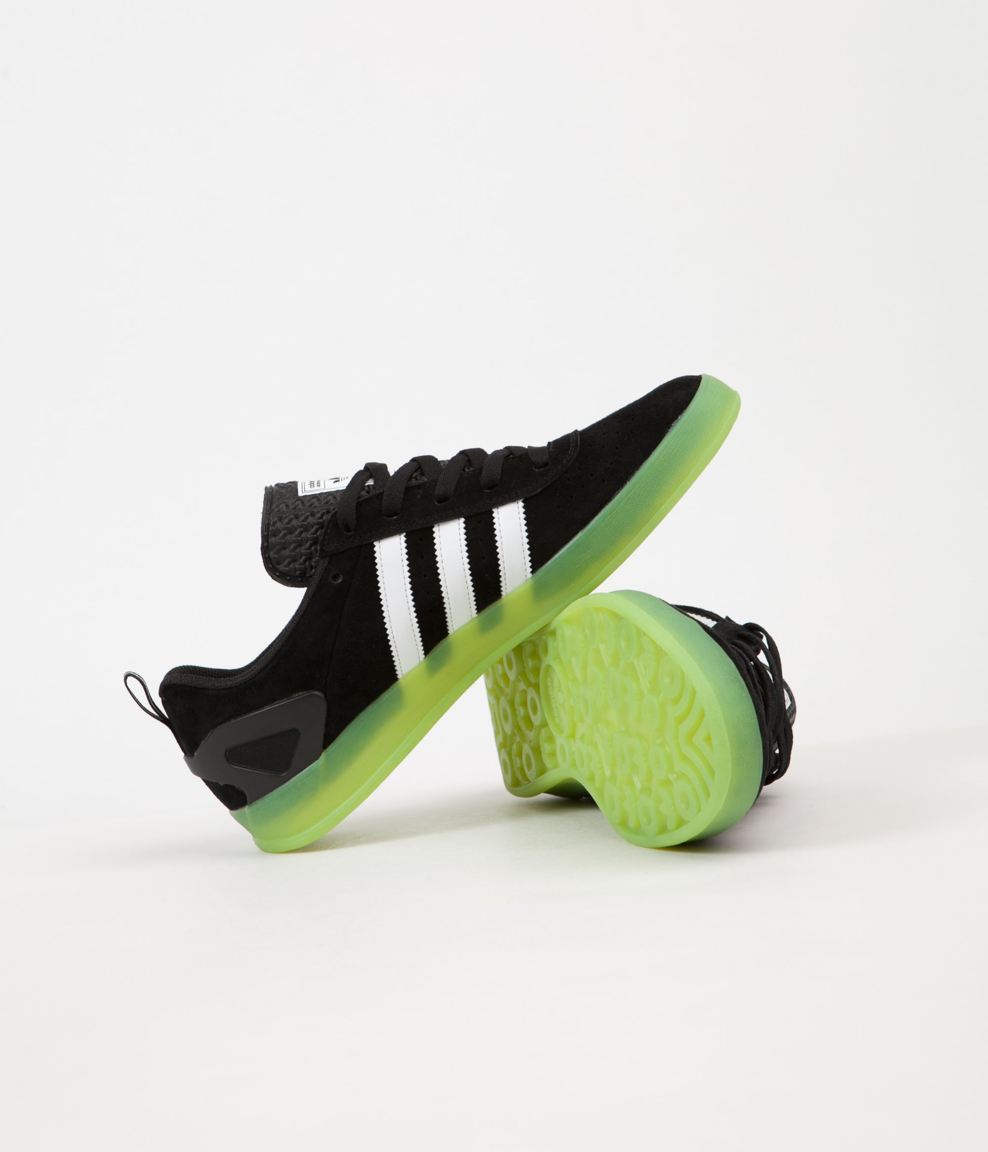 Elocuente boxeo repetición  Adidas x Palace Pro 'Chewy' Shoes - Black / White / Green | Flatspot