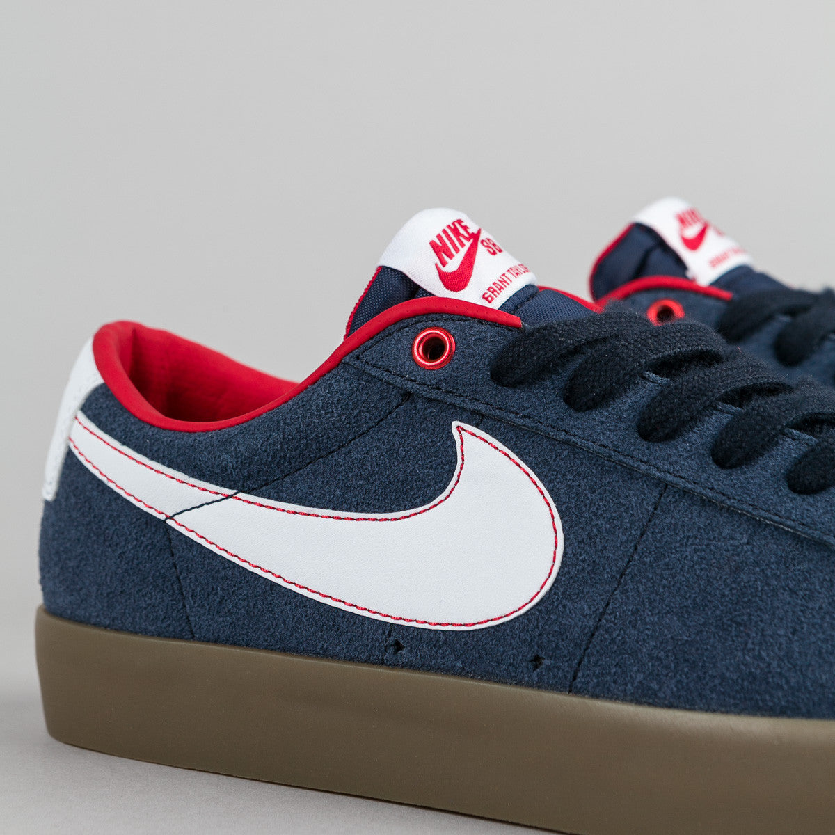 Nike SB Blazer Low GT Shoes - Obsidian / White - University Red