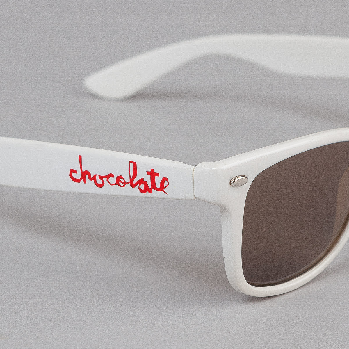 Chocolate Chunk Shades White