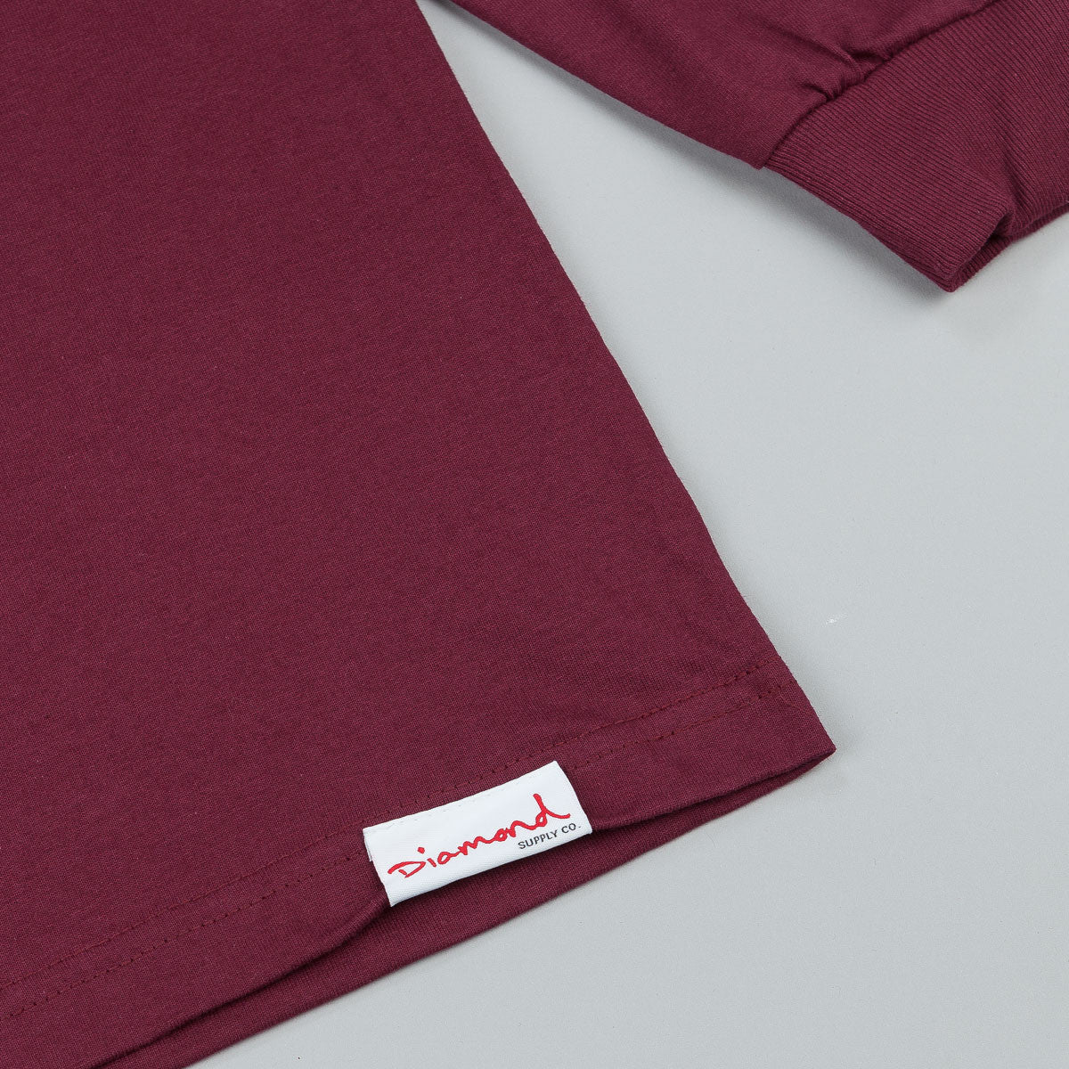 Diamond Hardware Lock Long Sleeve T-Shirt - Burgundy
