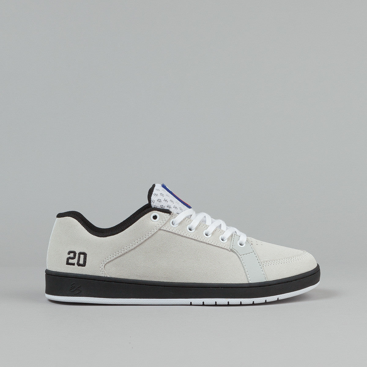 ĩS Skateboarding Sal 20 Shoes - White / Black