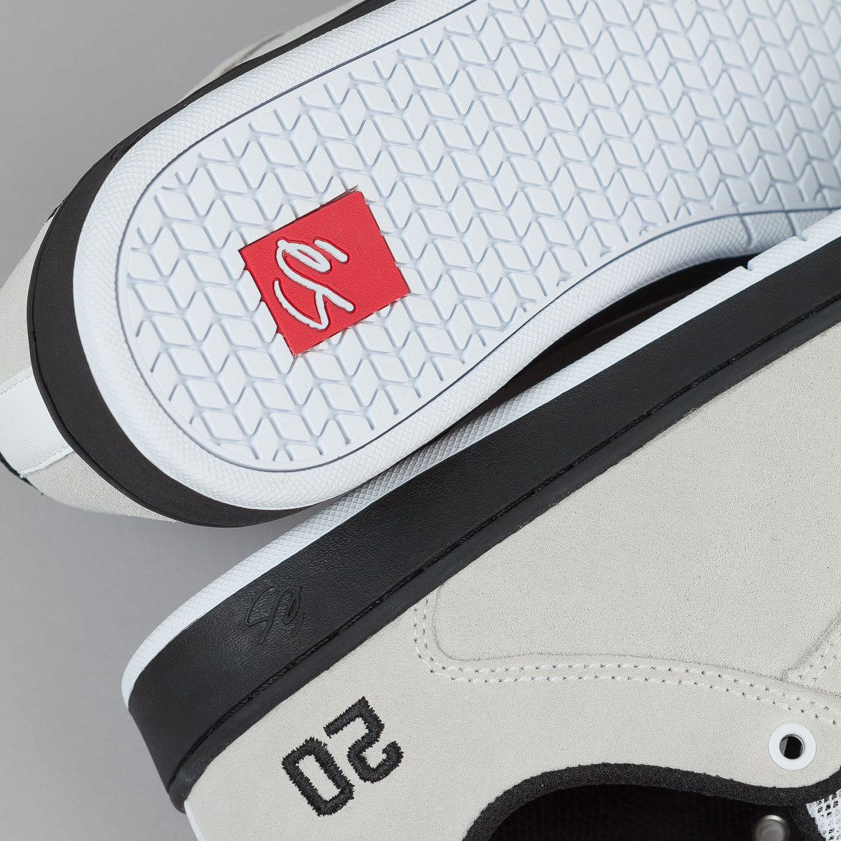 ©S Skateboarding Sal 20 Shoes - White / Black