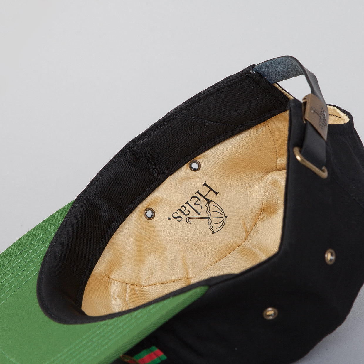 Helas Guccit 5 Panel Cap Black / Green Peak