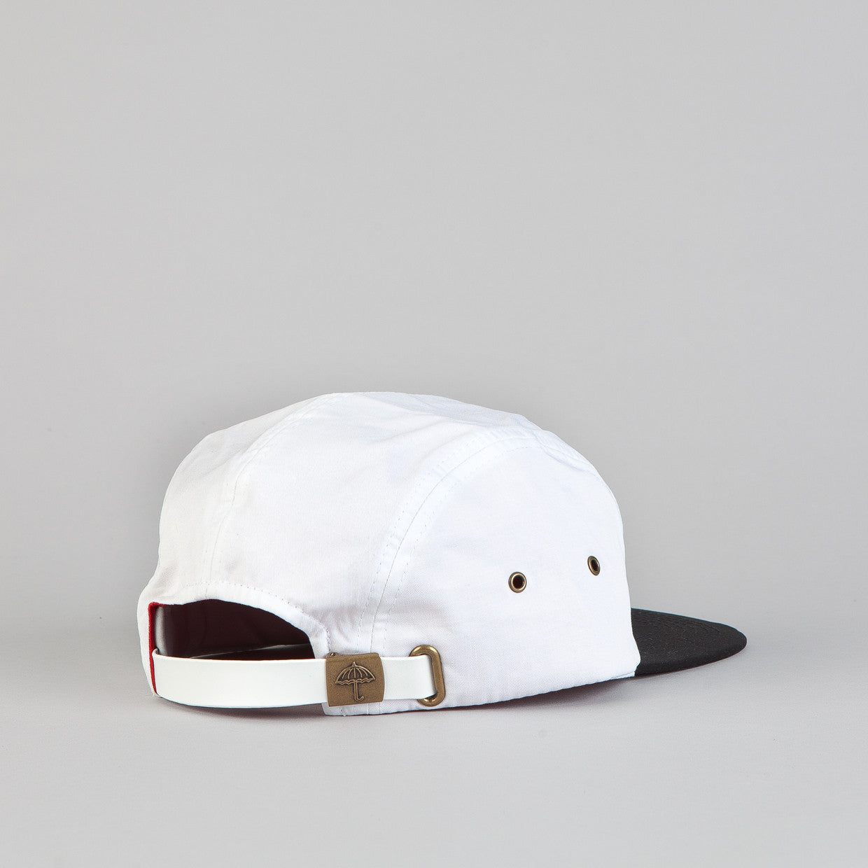 Helas Guccit 5 Panel Cap White / Black Peak