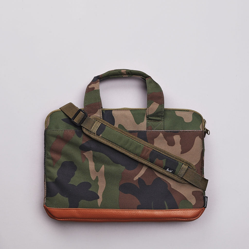 Herschel Pop Quiz Carry All 13 inch Macbook Woodland Camo