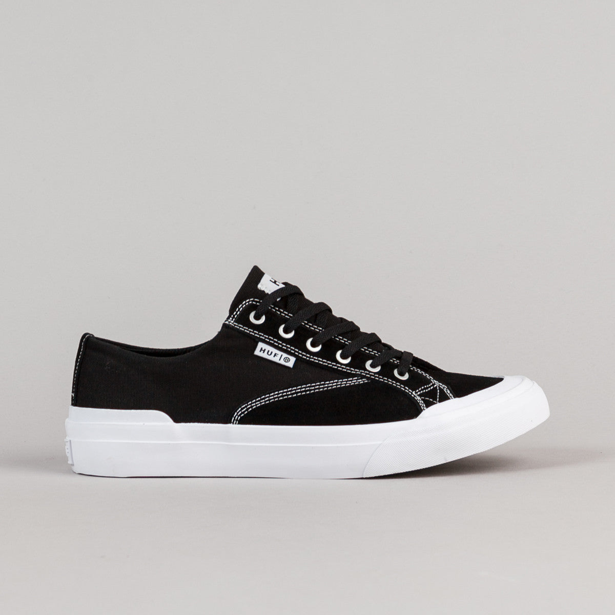 HUF Classic Lo ESS Shoes - Black / White