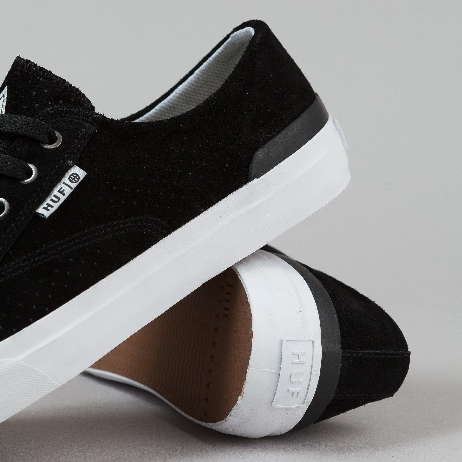 HUF Classic Lo Shoes - Black Perf / White