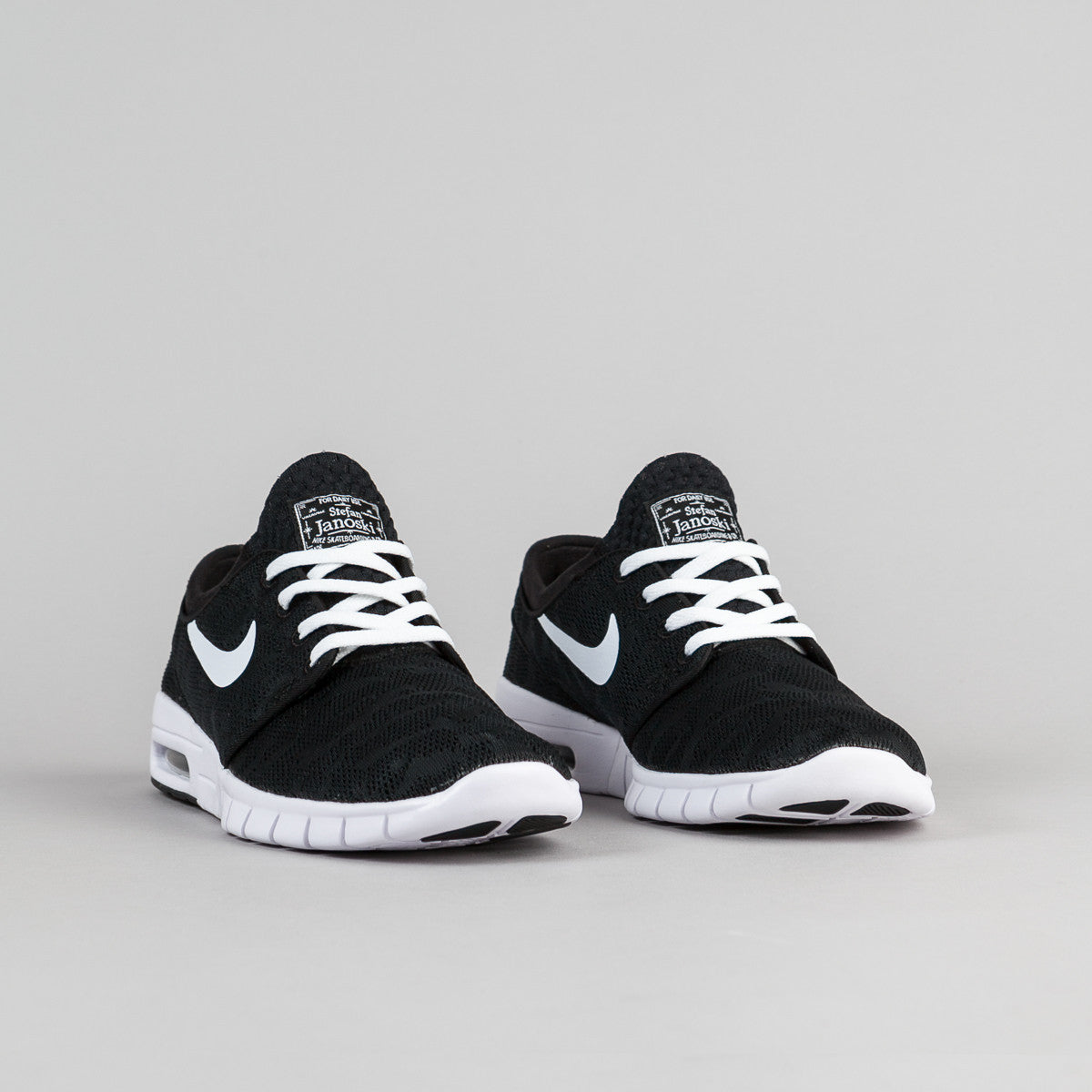 nike sb stefan janoski max black white flatspot. Black Bedroom Furniture Sets. Home Design Ideas