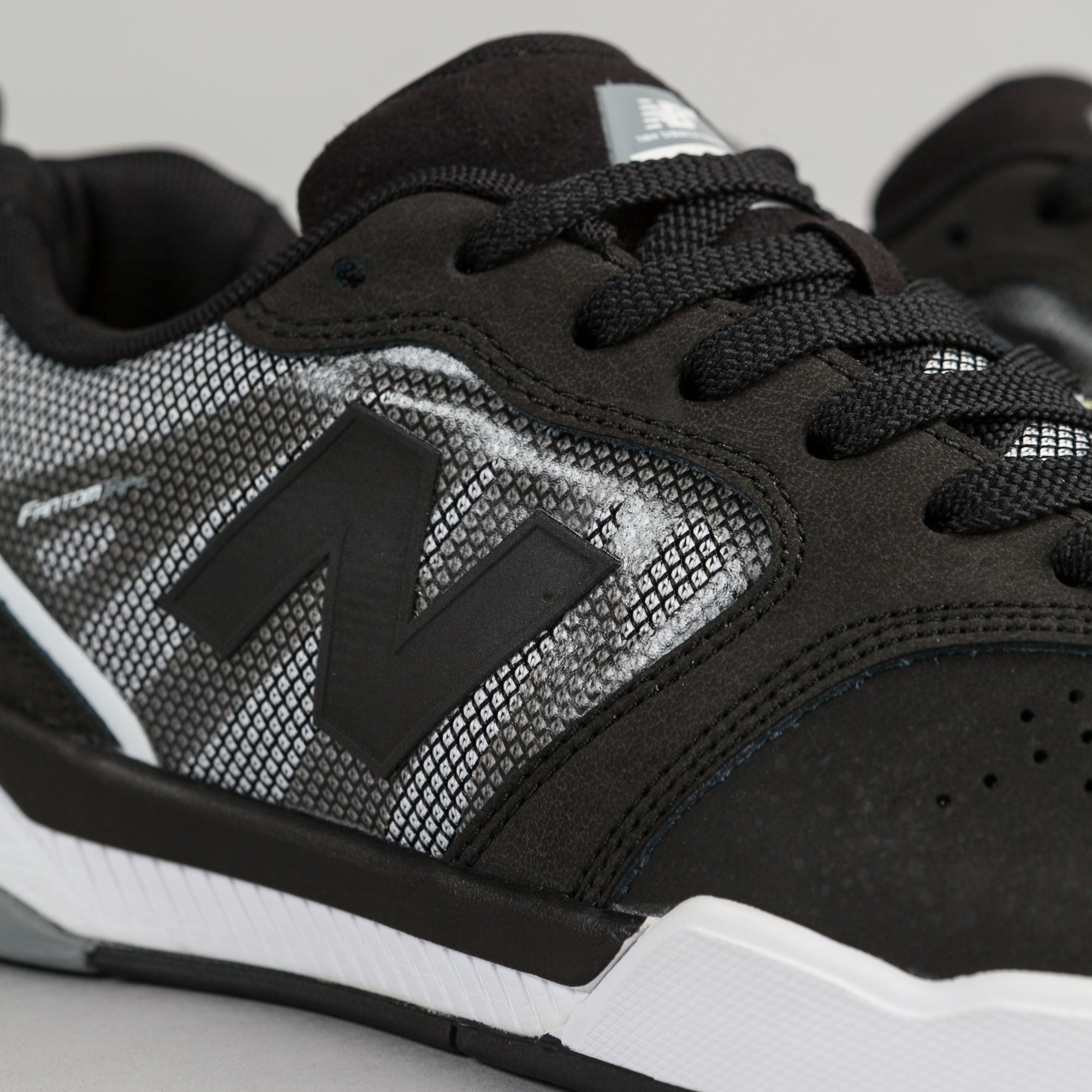 New Balance Numeric 868 Shoes - Black / White