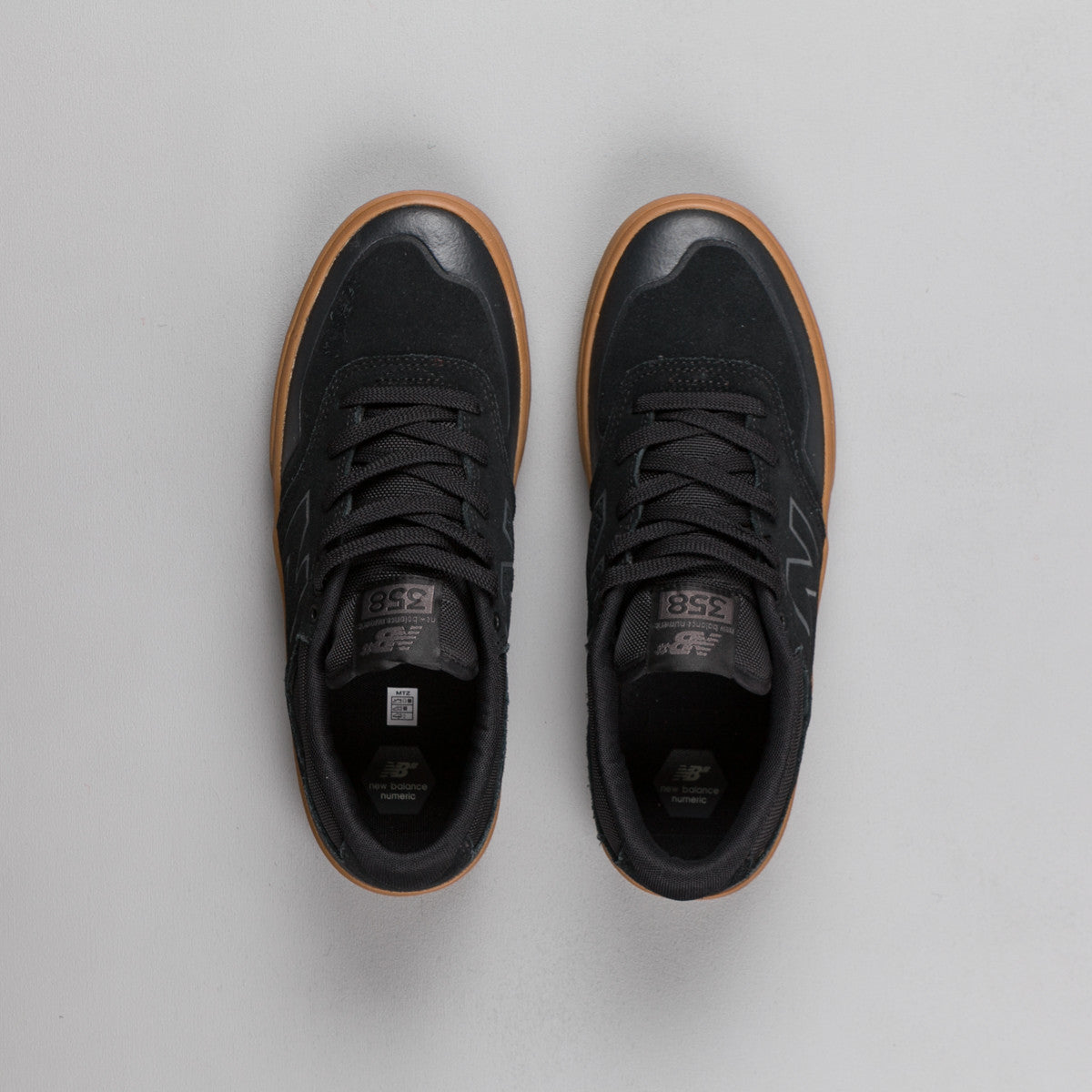 New Balance Numeric Arto 358 Shoes - Black / Gum