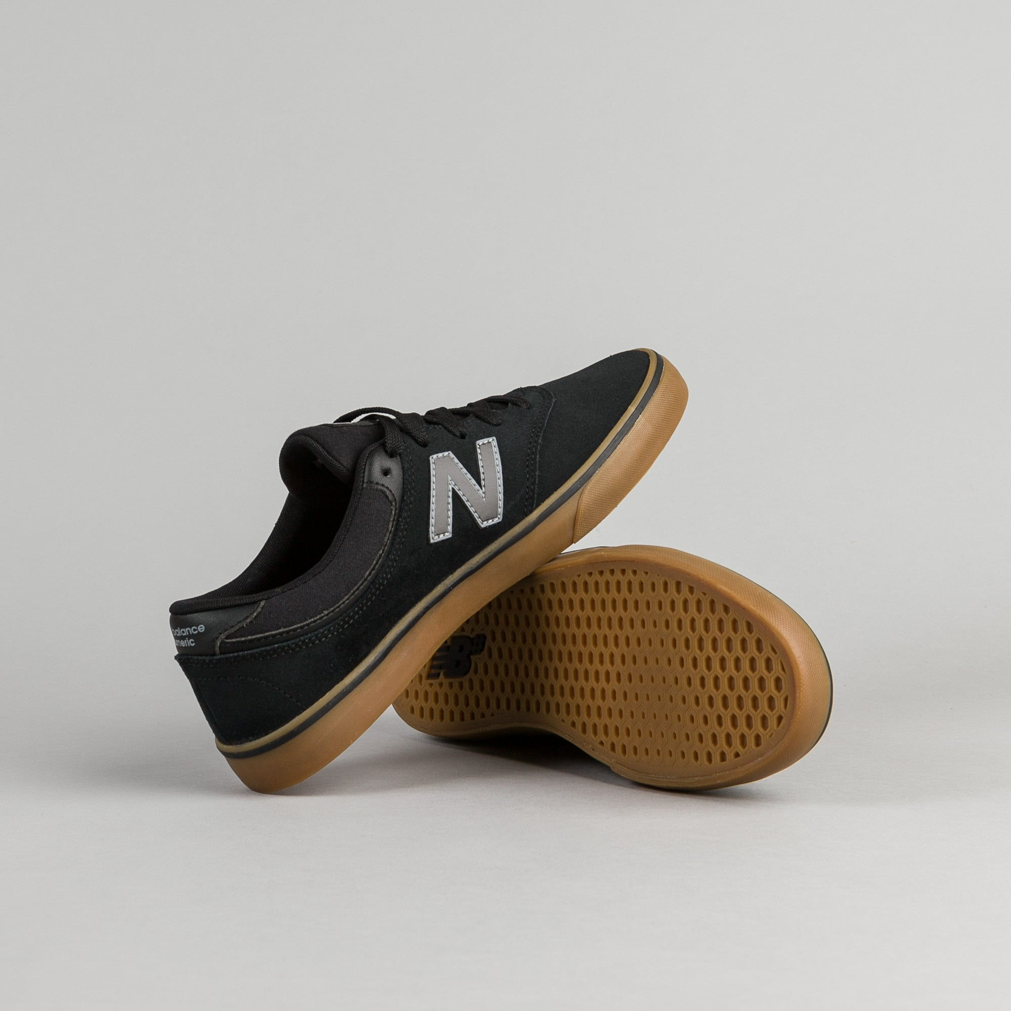 New Balance Numeric Quincy 254 Shoes - Black / Gum