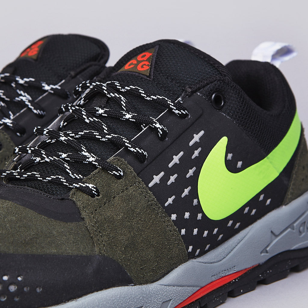 Nike ACG Alder Low Cargo Khaki / Flash Lime - Black