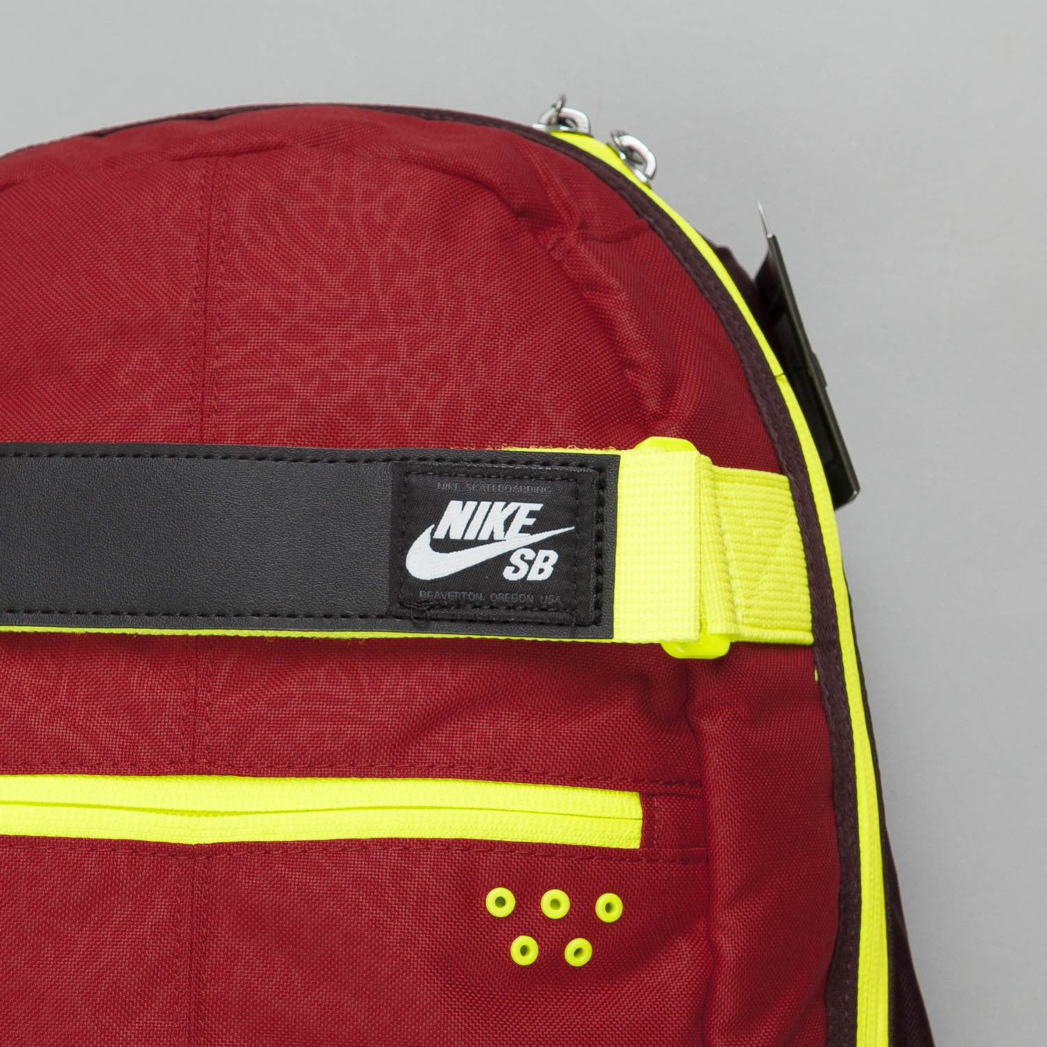 Nike SB Embarca Medium Backpack Gym Red / Volt - White
