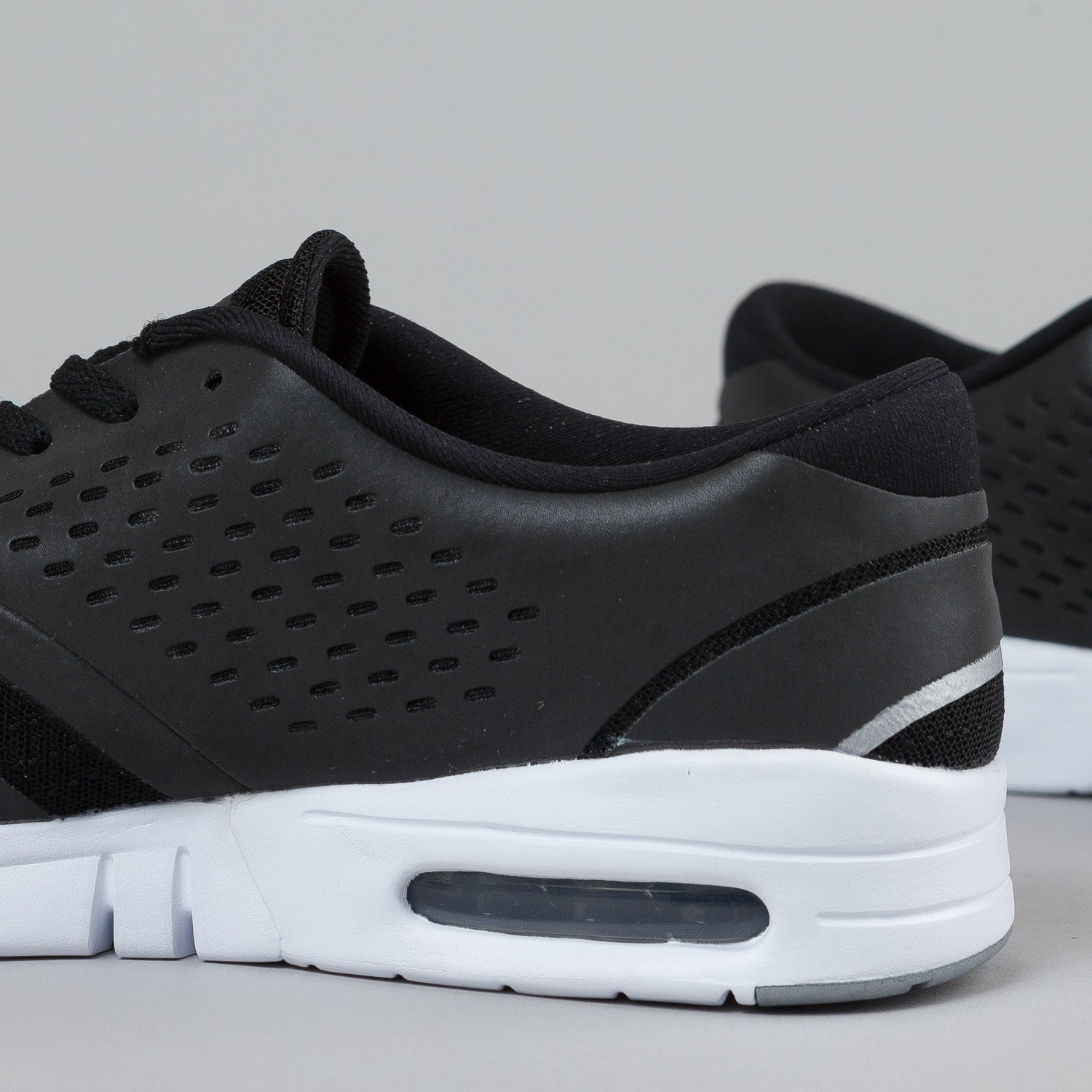 Nike Eric Koston 2 Max Black / Metallic Silver - White