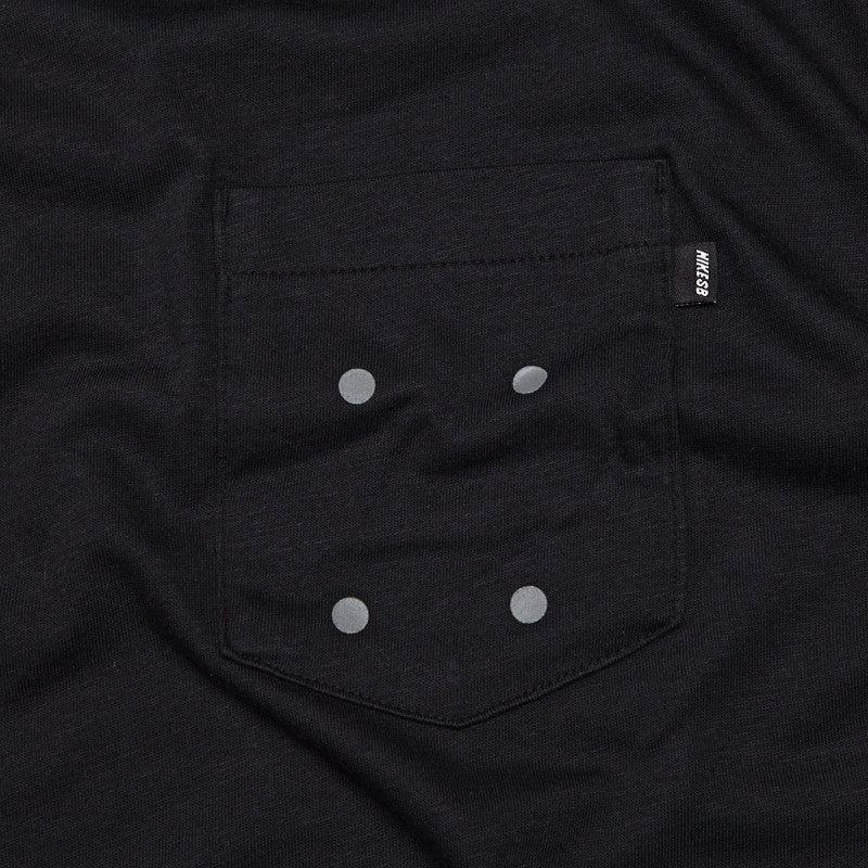 Nike Sb 4 Hole Pocket T Shirt Black / Medium Base Grey