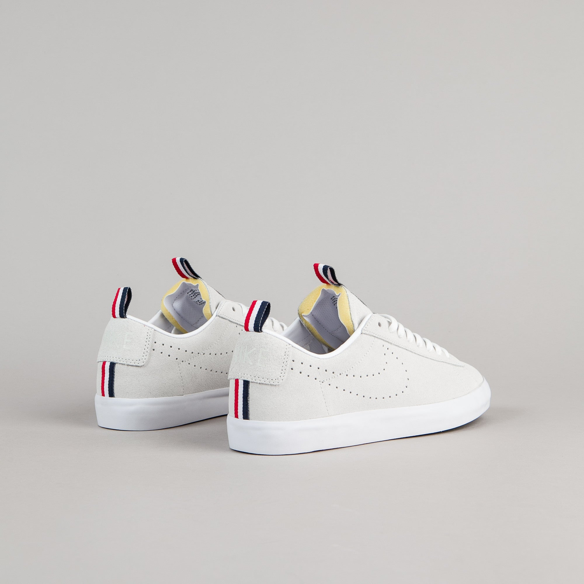 Nike SB x 917 Blazer Low GT Premium Shoes - Summit White / Summit White - White - Obsidian