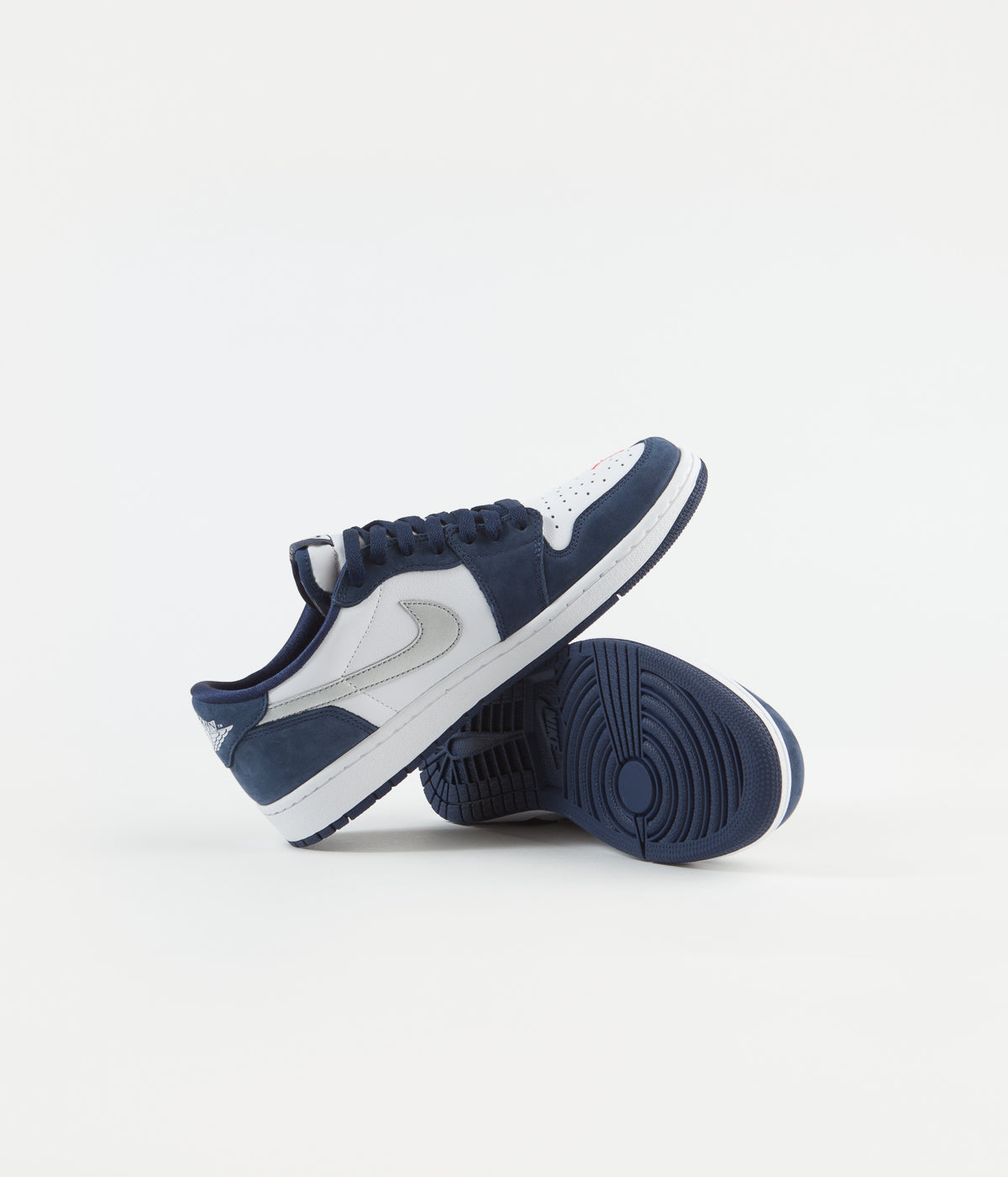 Nike SB Air Jordan 1 Low Shoes - Midnight Navy / Metallic Silver - White