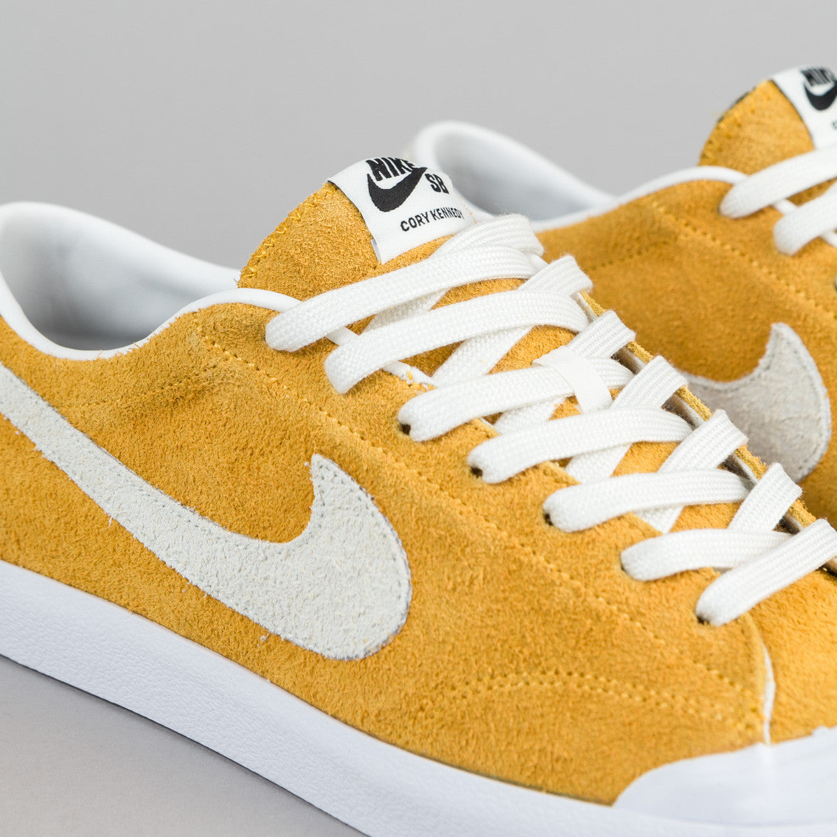 Nike SB Air Zoom All Court CK Shoes - University Gold / Summit White - Black