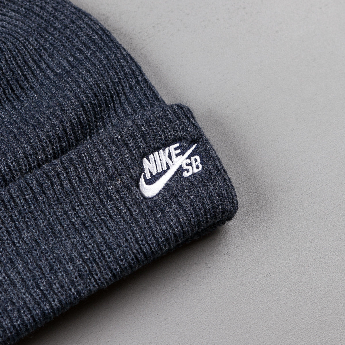 the latest 46dce 3c6ab ... closeout nike sb fisherman beanie obsidian heather white bd24a 19c82