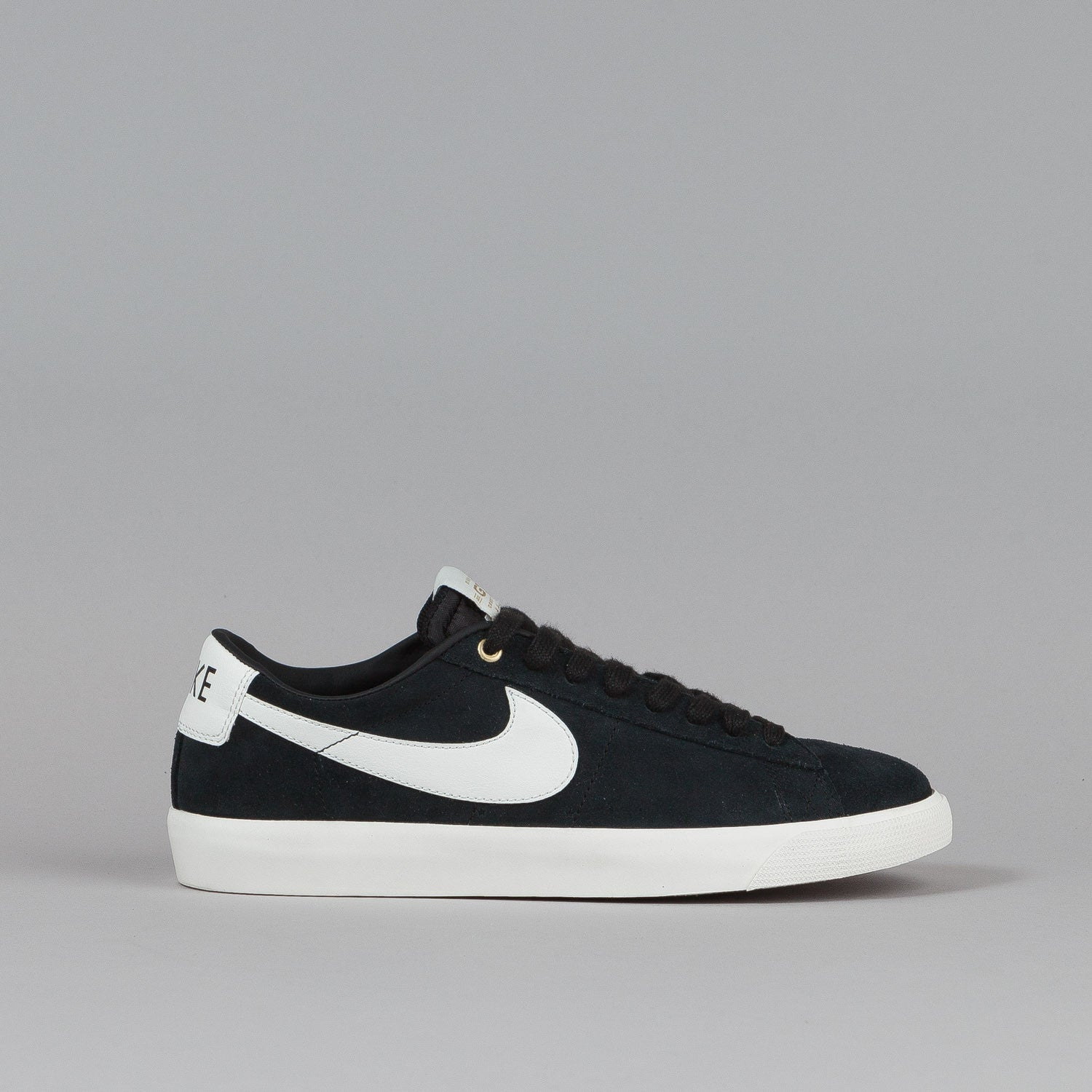 nike sb blazer low gt shoes black flatspot. Black Bedroom Furniture Sets. Home Design Ideas
