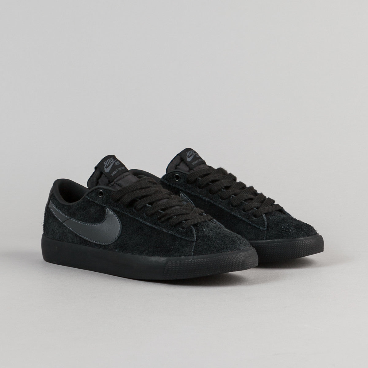 nike sb blazer low gt shoes black anthracite flatspot. Black Bedroom Furniture Sets. Home Design Ideas