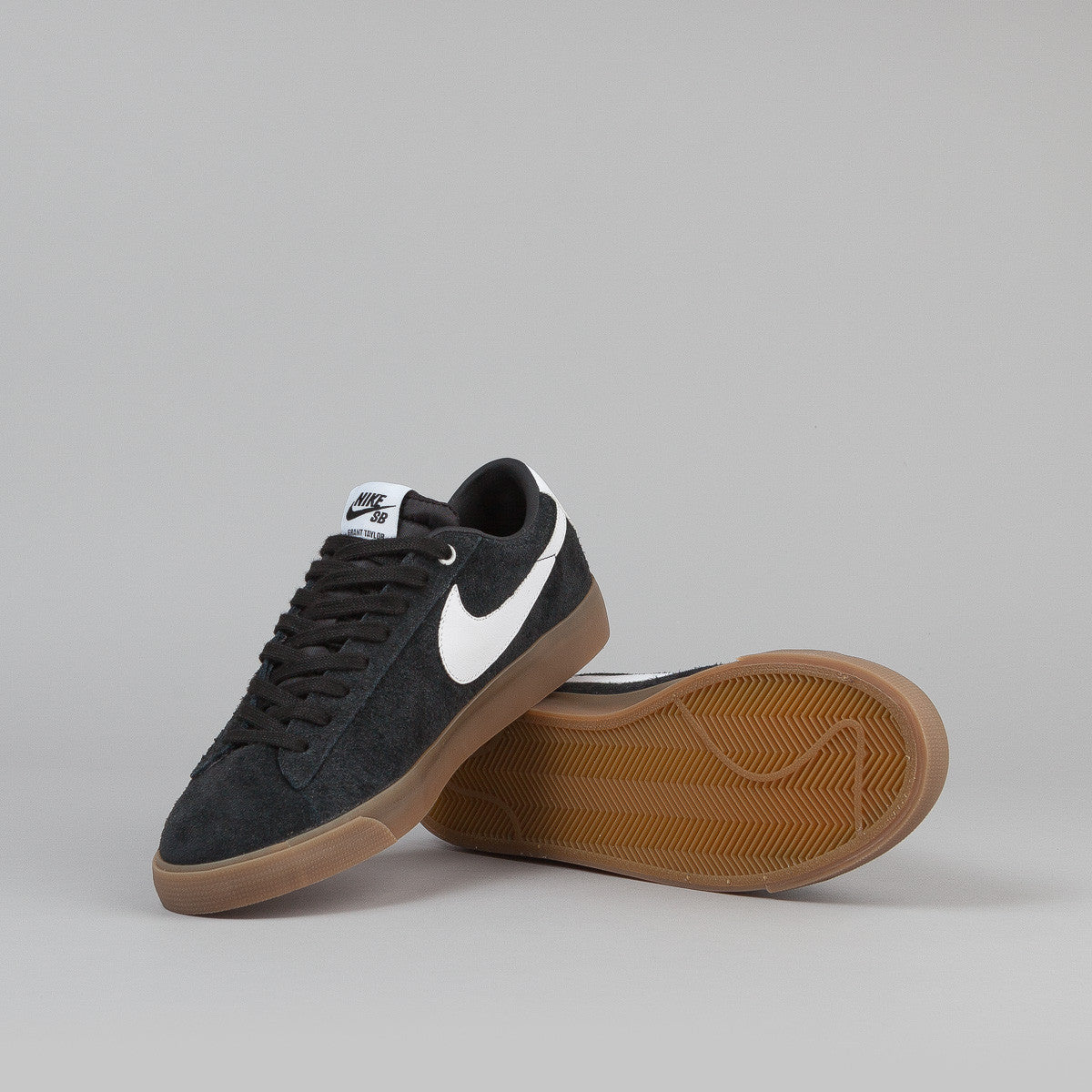 Nike SB Blazer Low GT Shoes - Black / White - Metallic Gold