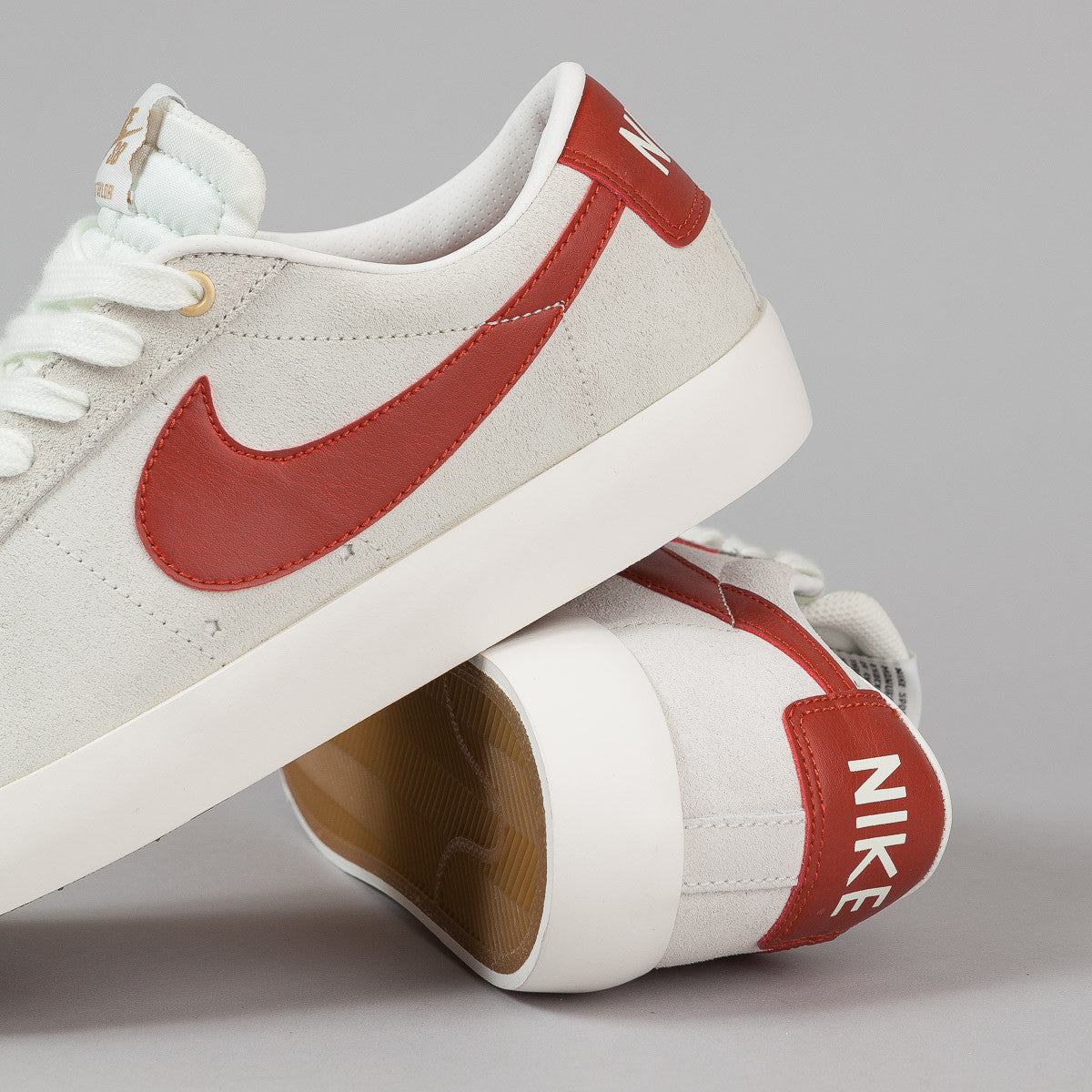 Nike SB Blazer Low GT Shoes - Ivory / Cinnabar / Metallic Gold