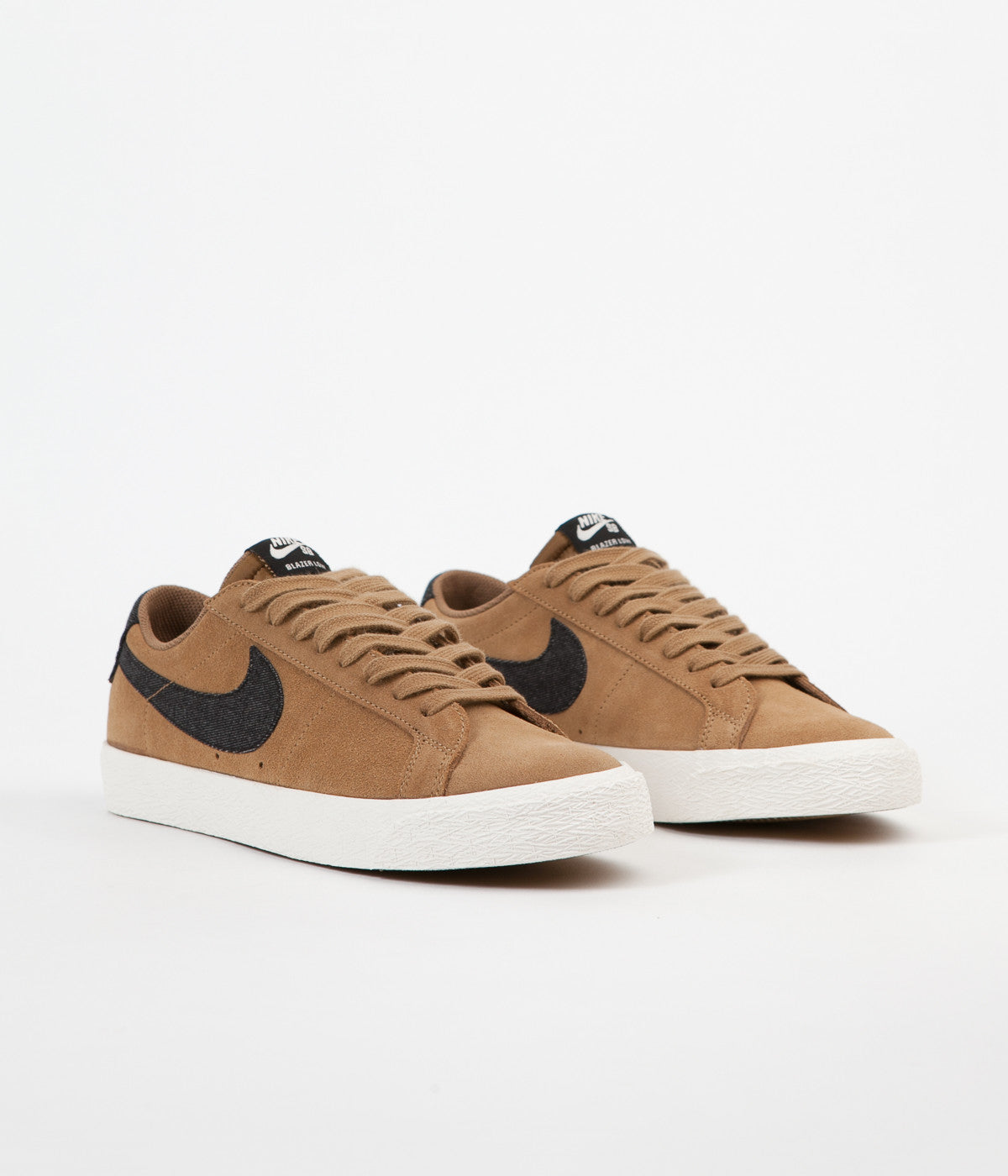 new concept 9d2bd 1545e ... Nike SB Blazer Low Shoes - Golden Beige   Black - Sail - Gum Light  Brown ...