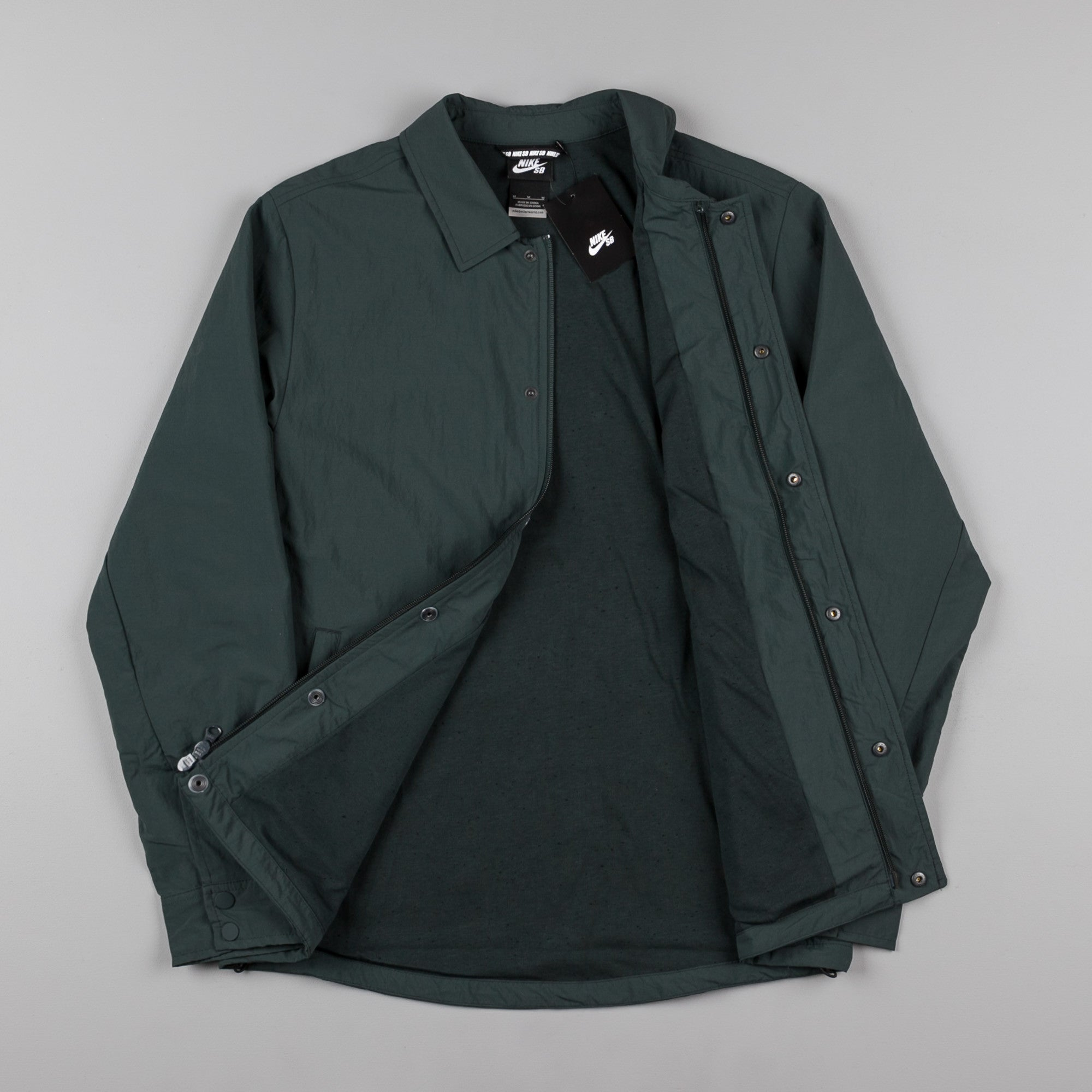 Nike SB Bolt Coaches Jacket - Seaweed / Reflective Black