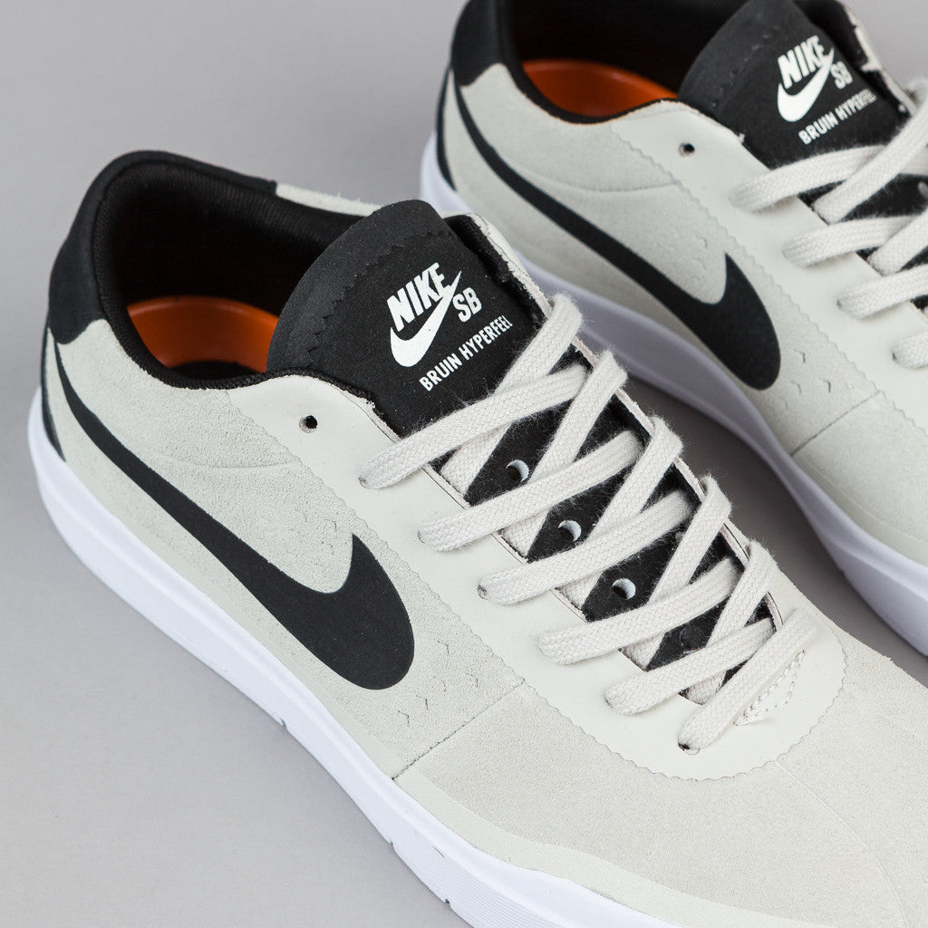 Nike SB Bruin Hyperfeel Shoes - Summit White / Black - White