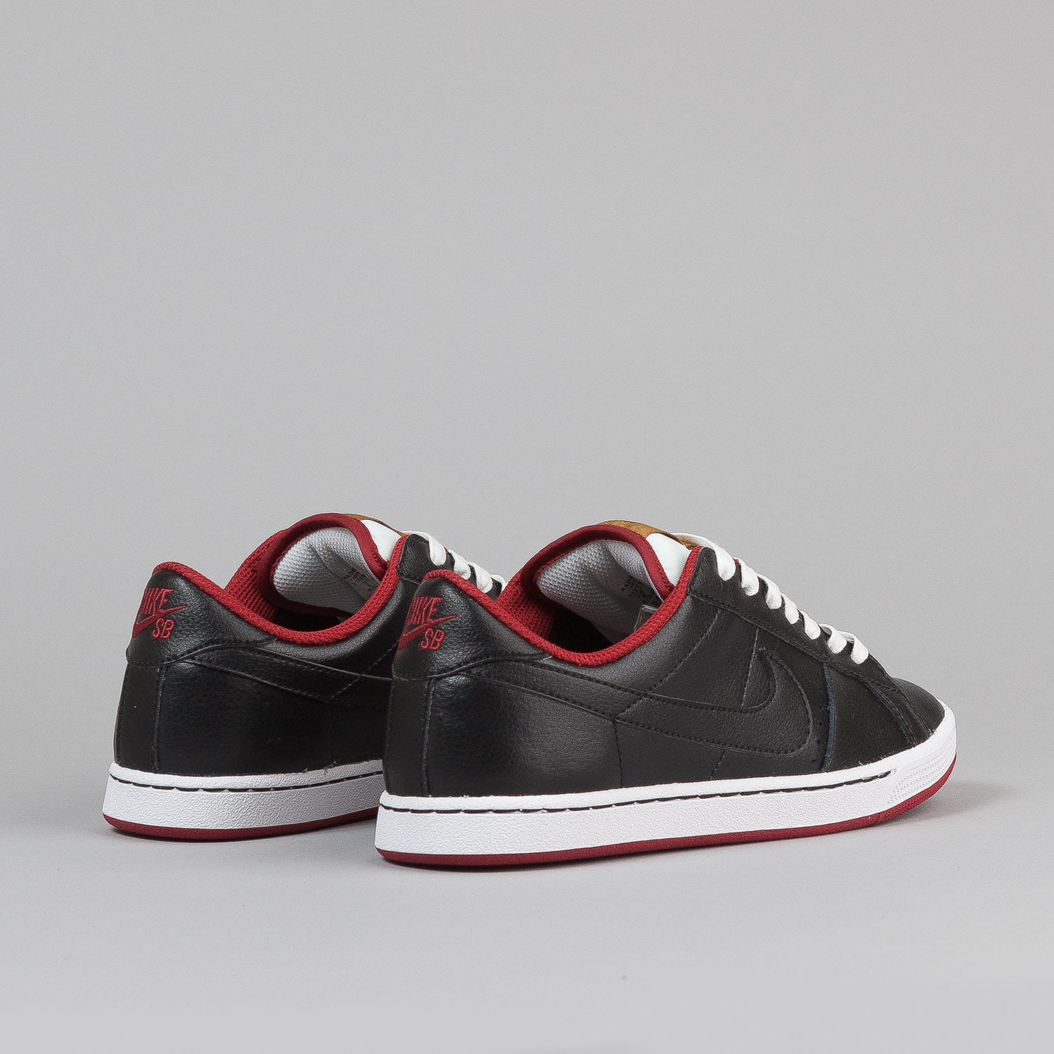Nike SB Classic Shoes - Black / Black