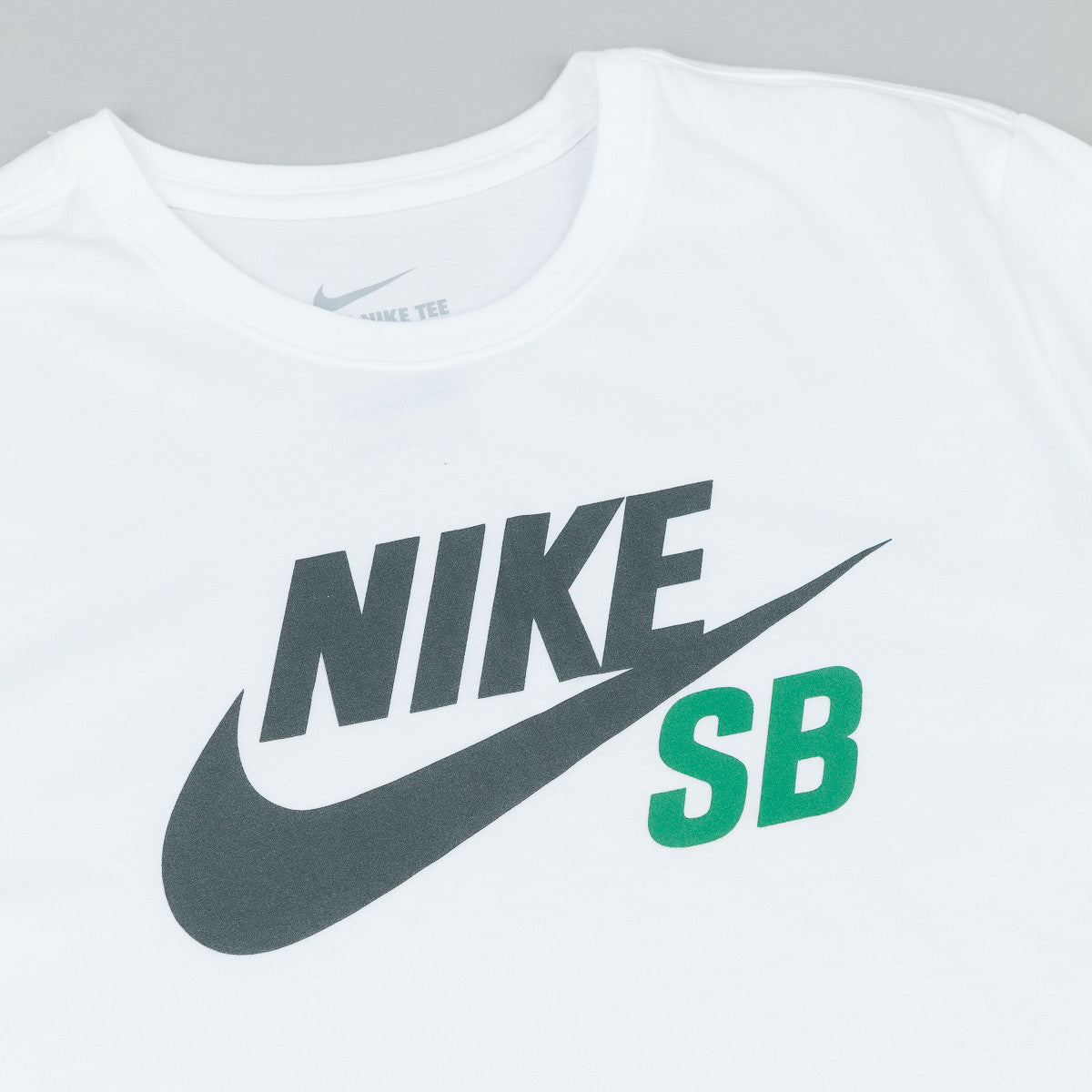 Nike SB Dri Fit Icon Reflective T-Shirt - White/Seaweed