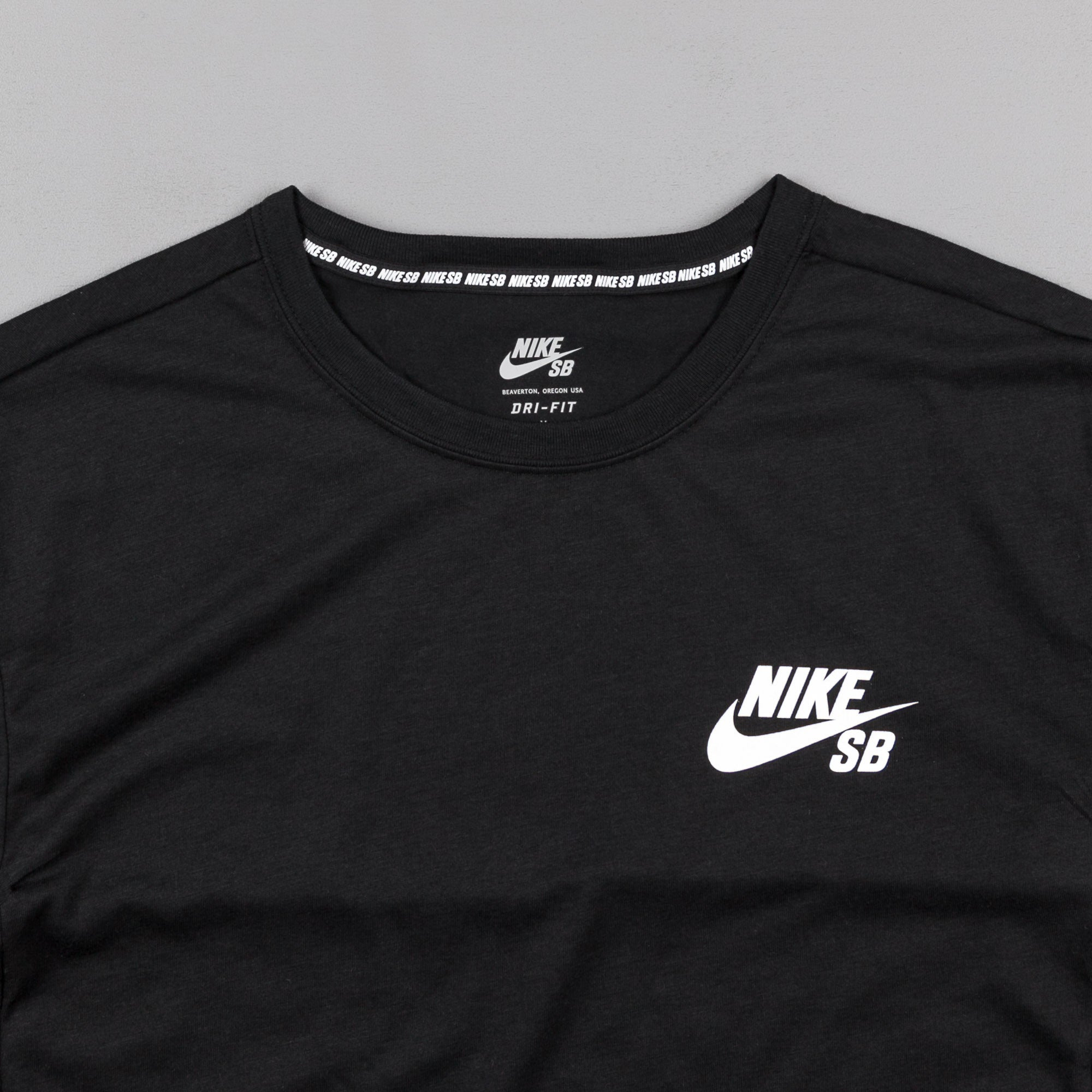 Nike SB Dry T-Shirt - Black / White