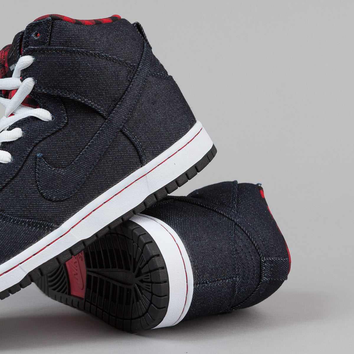 Nike SB Dunk High Premium Shoes - Dark Obsidian / Dark Obsidian - White