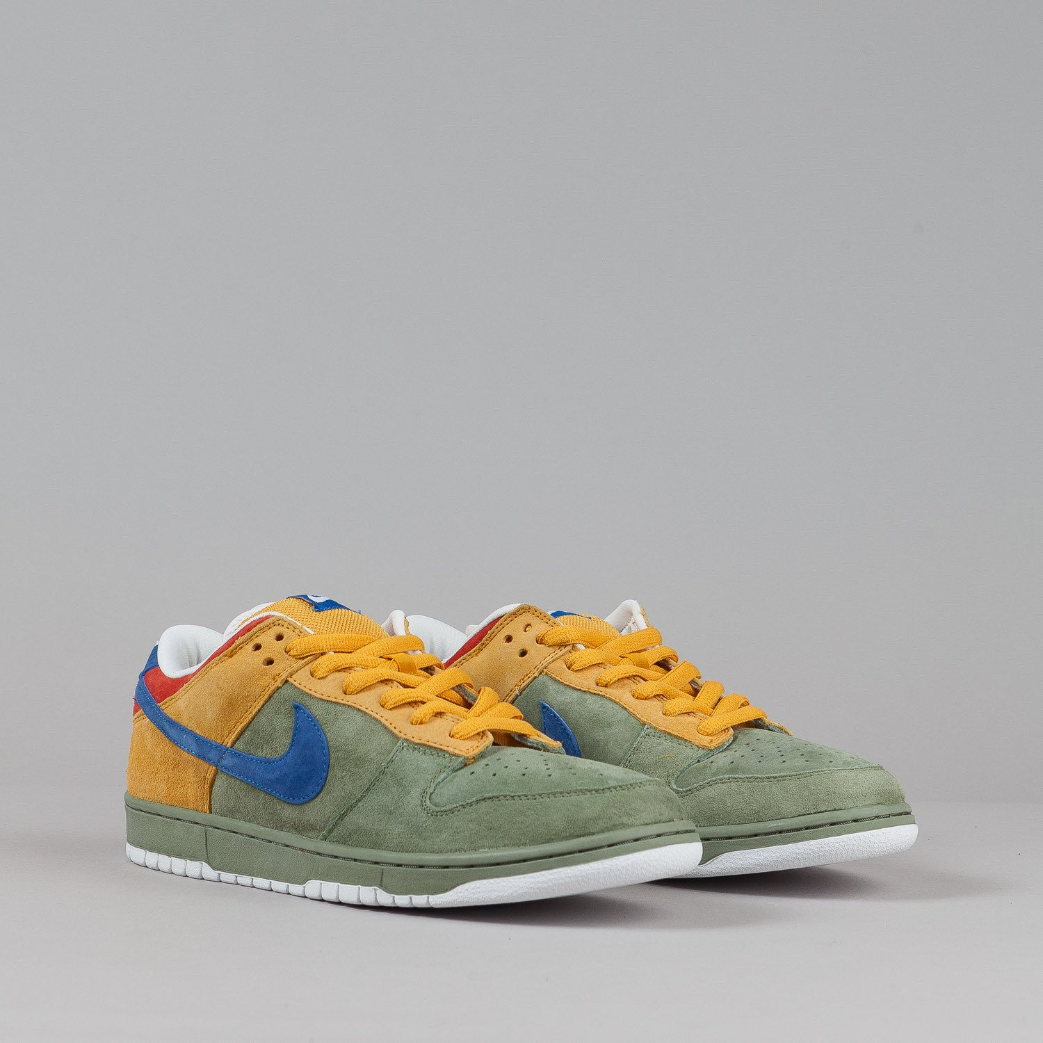 Nike SB Dunk Low Premium Shoes - Oil Green / International Blue