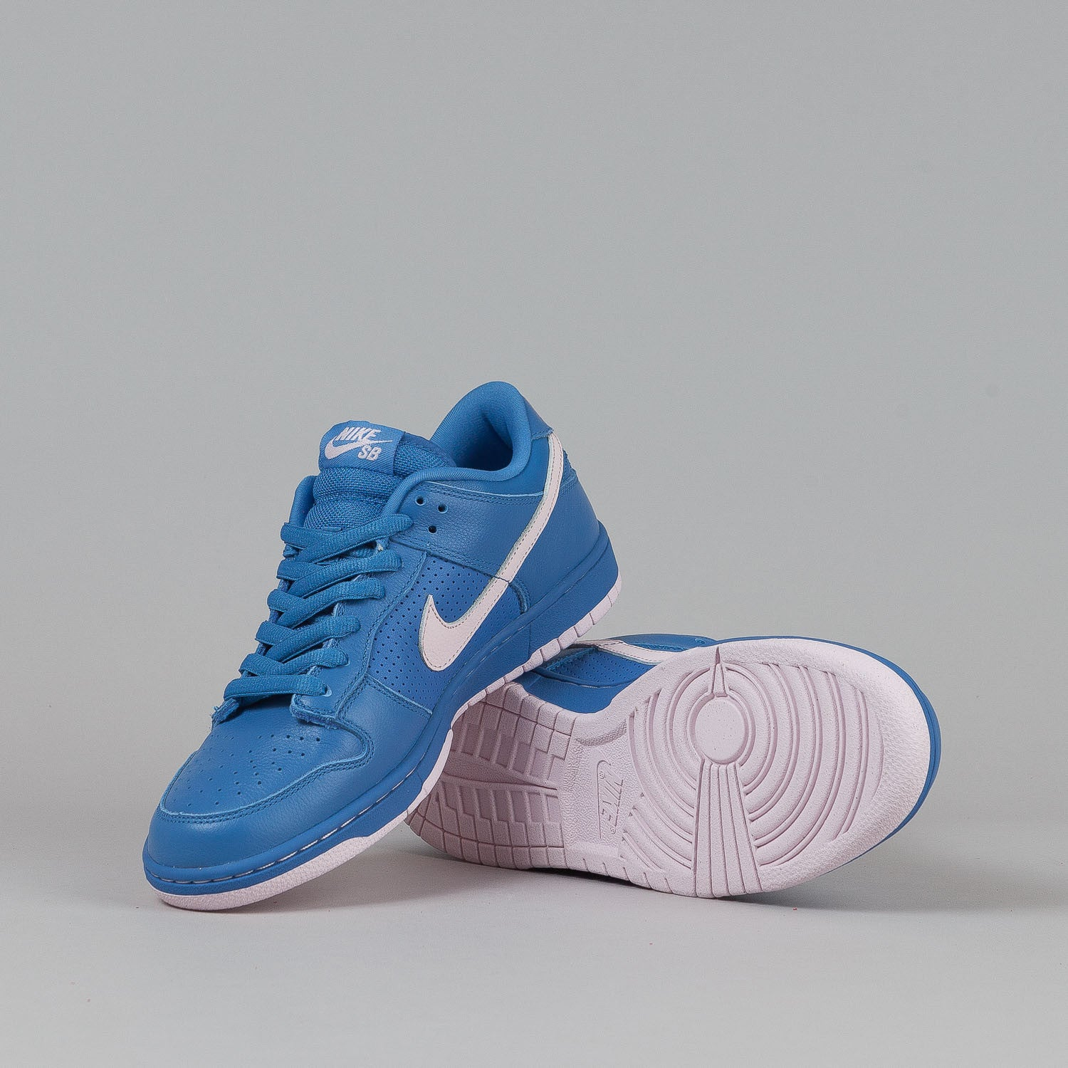 Nike SB Dunk Low Premium Shoes - Varsity Blue / Pink Ice