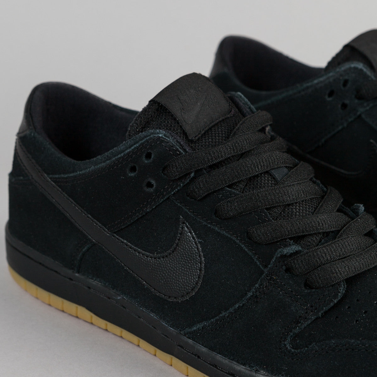 Nike SB Dunk Low Pro Ishod Wair Shoes - Black / Black - Gum Light Brown