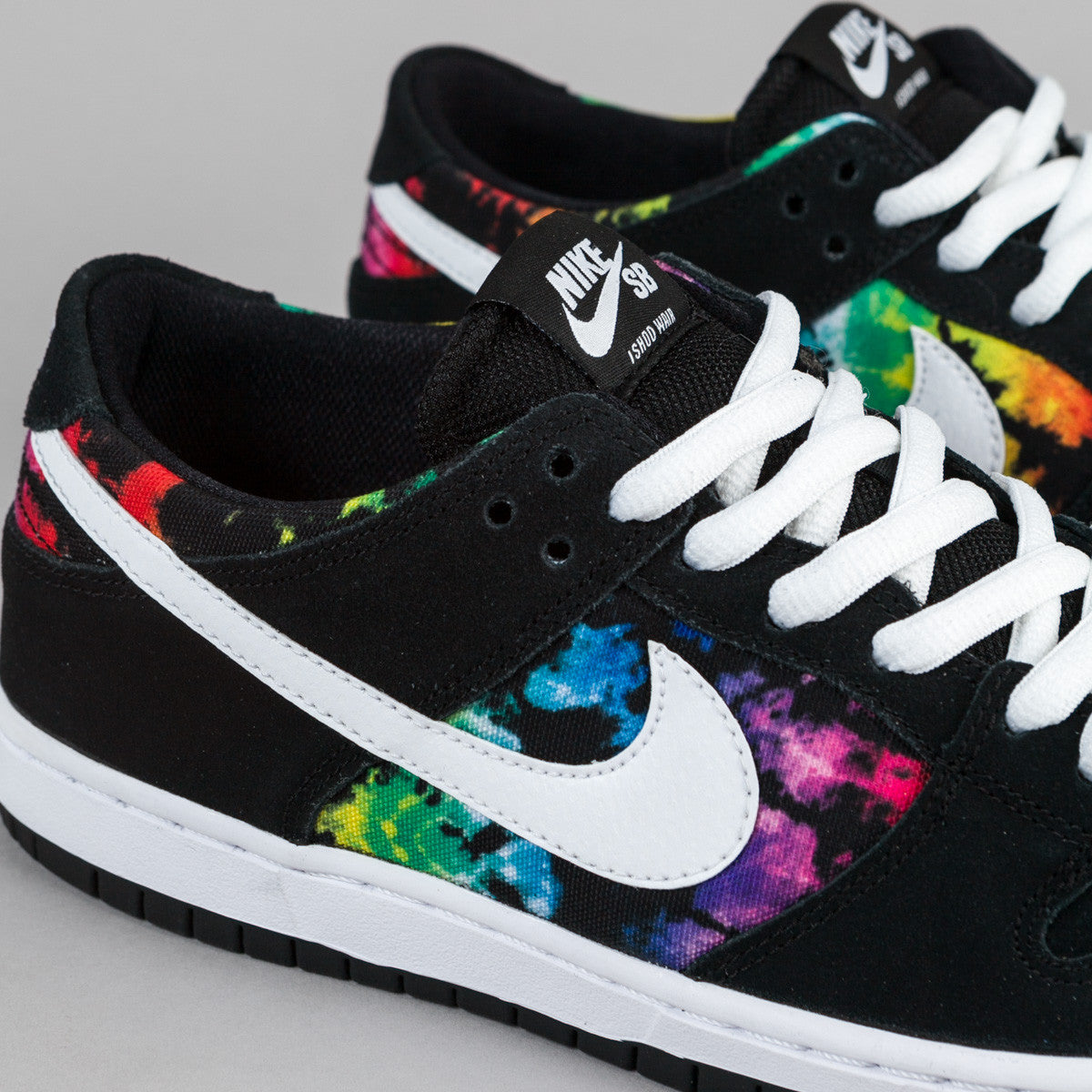 Nike SB Dunk Low Pro Ishod Wair Shoes - Black / White / Multi-Colour