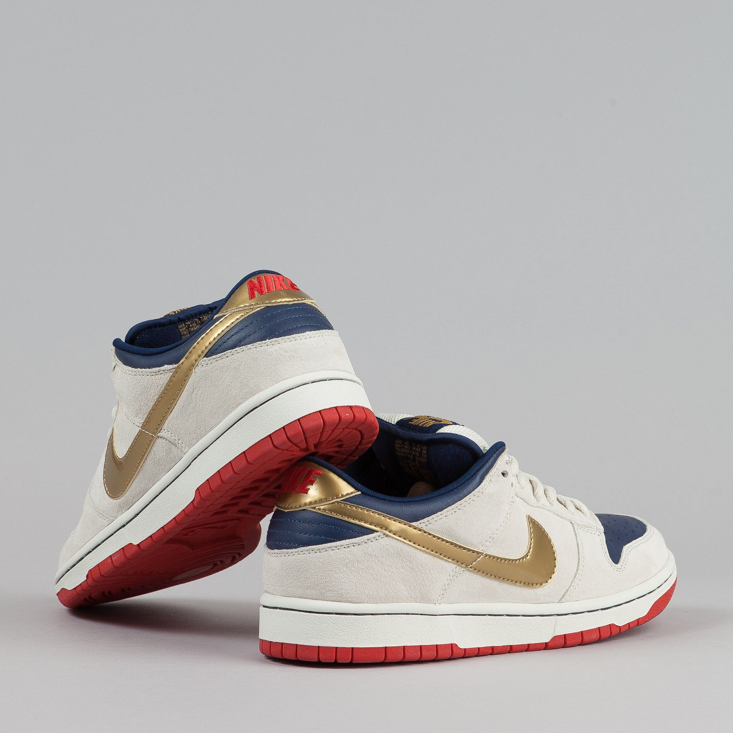 Nike SB Dunk Low Pro Shoes - Buff / Metallic Gold