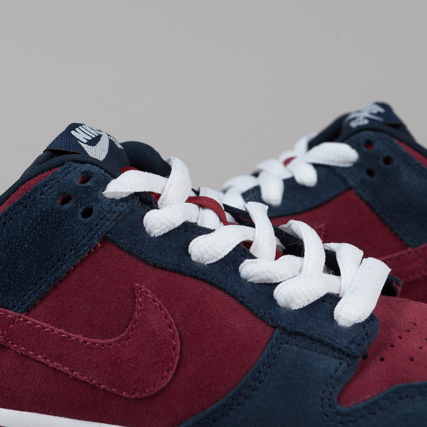Nike SB Dunk Low Pro Shoes - Obsidian / Team Red