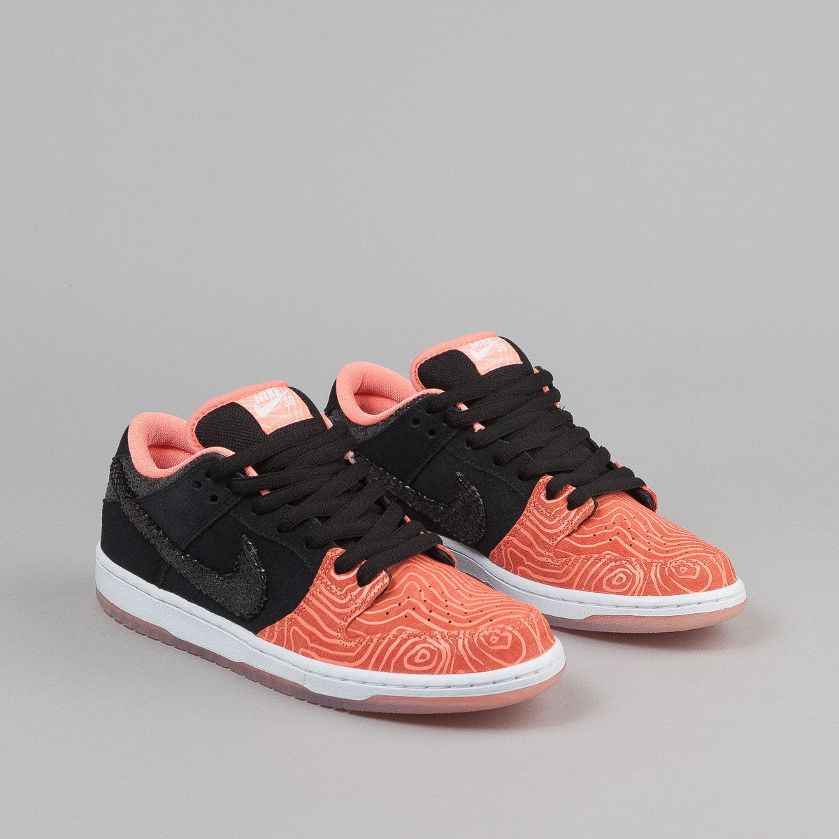 Nike SB Dunk Low Shoes - Atomic Pink / Black / White