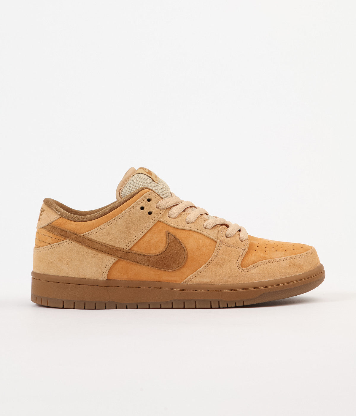 sale retailer a1d92 a97fa Nike SB Dunk Low Shoes - Dune   Twig - Wheat - Gum Medium Brown