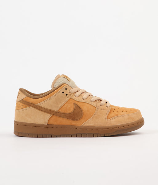 Nike SB Dunk Low Shoes - Dune / Twig - Wheat - Gum Medium Brown