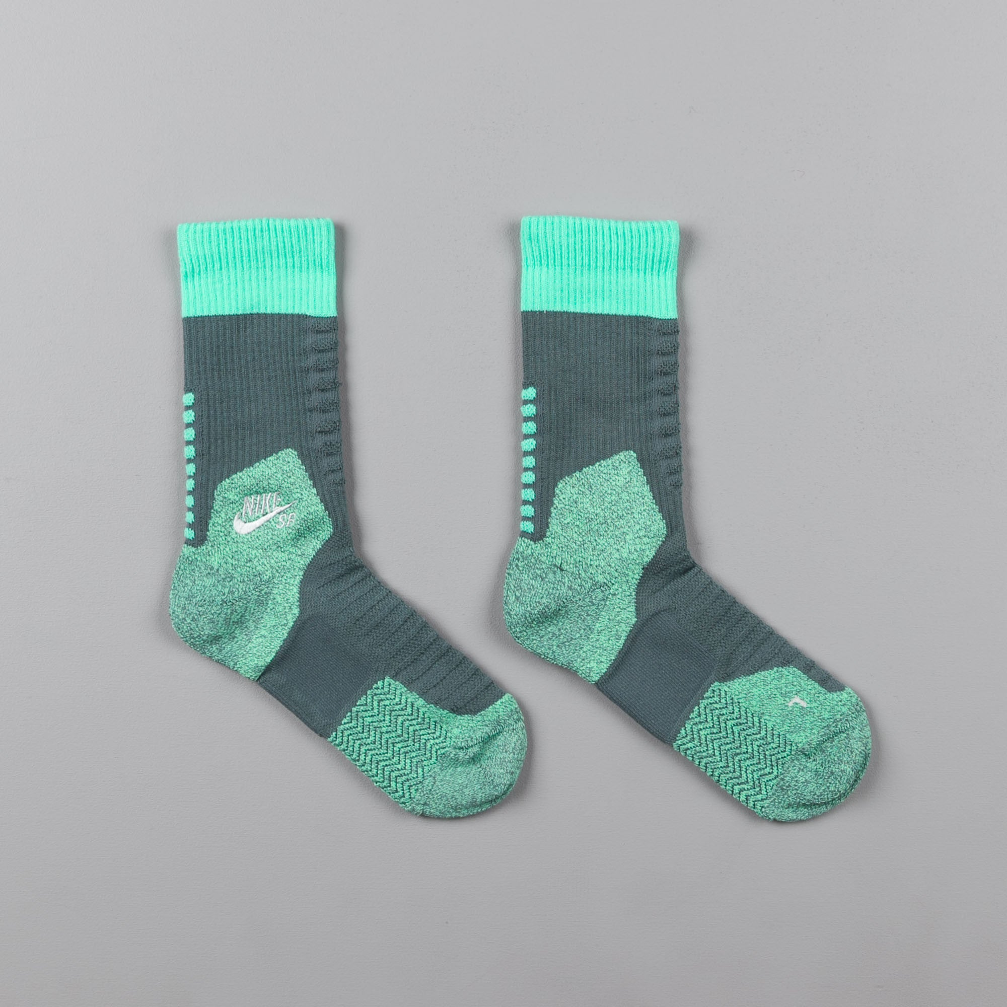Nike SB Elite Crew Socks - Hasta / Green Glow / Light Silver