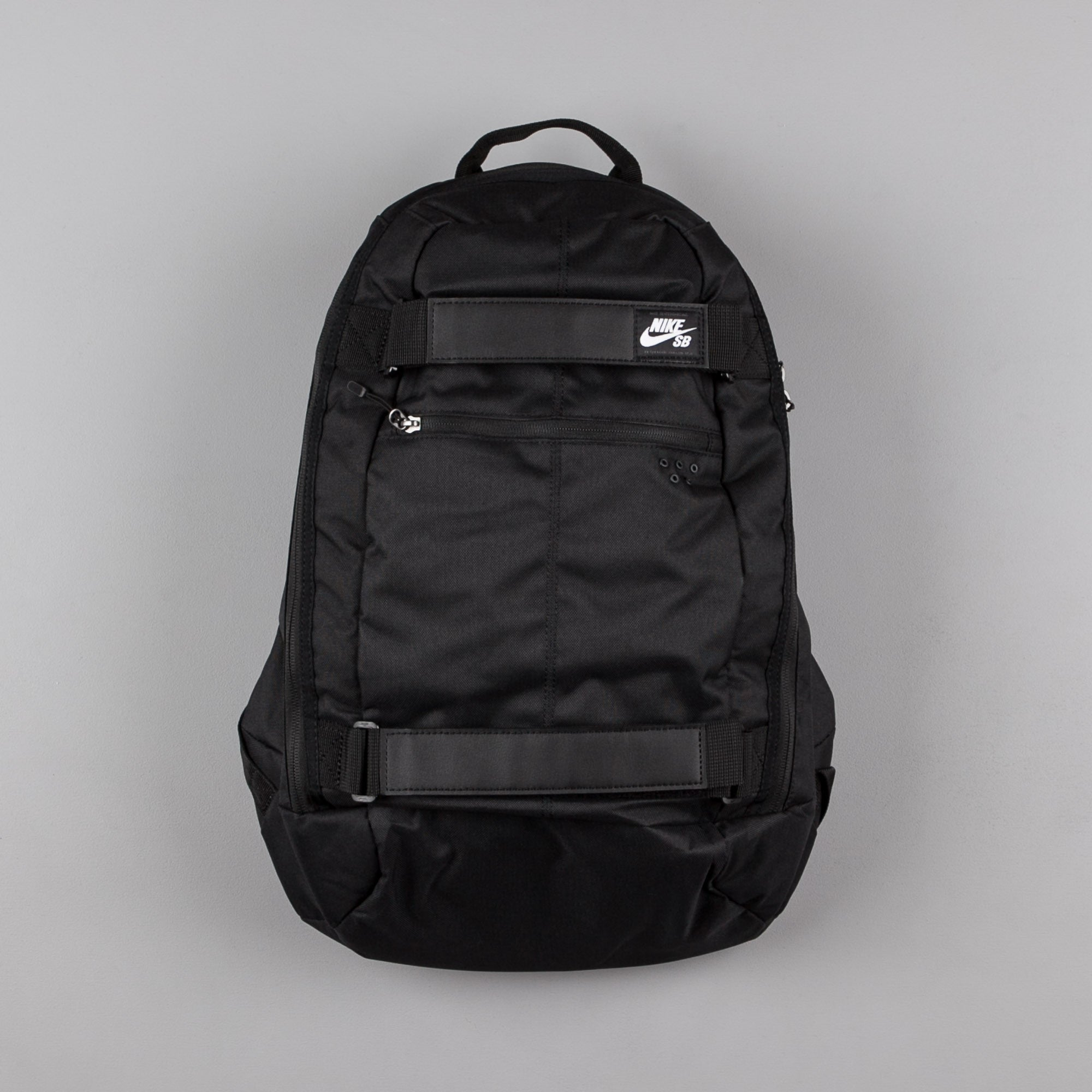 Nike SB Embarca Medium Backpack Black / White