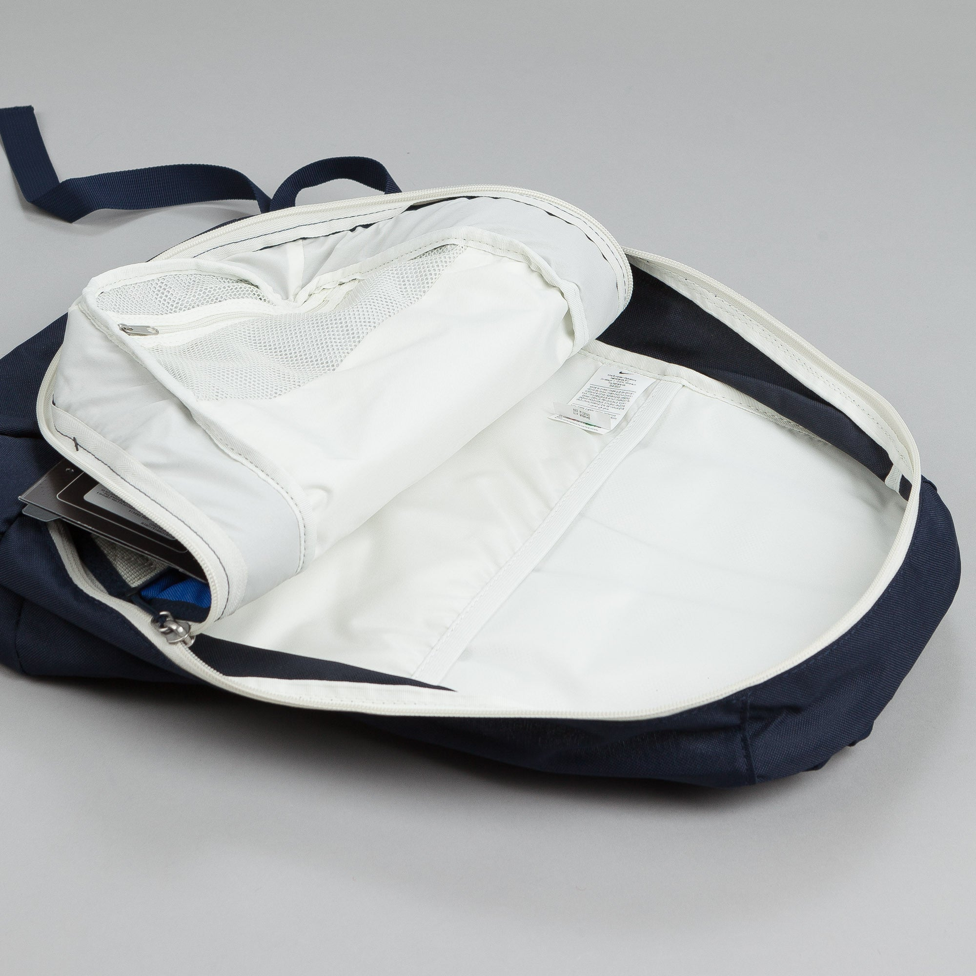 Nike SB Embarca Medium Backpack Game Royal / Sail - White