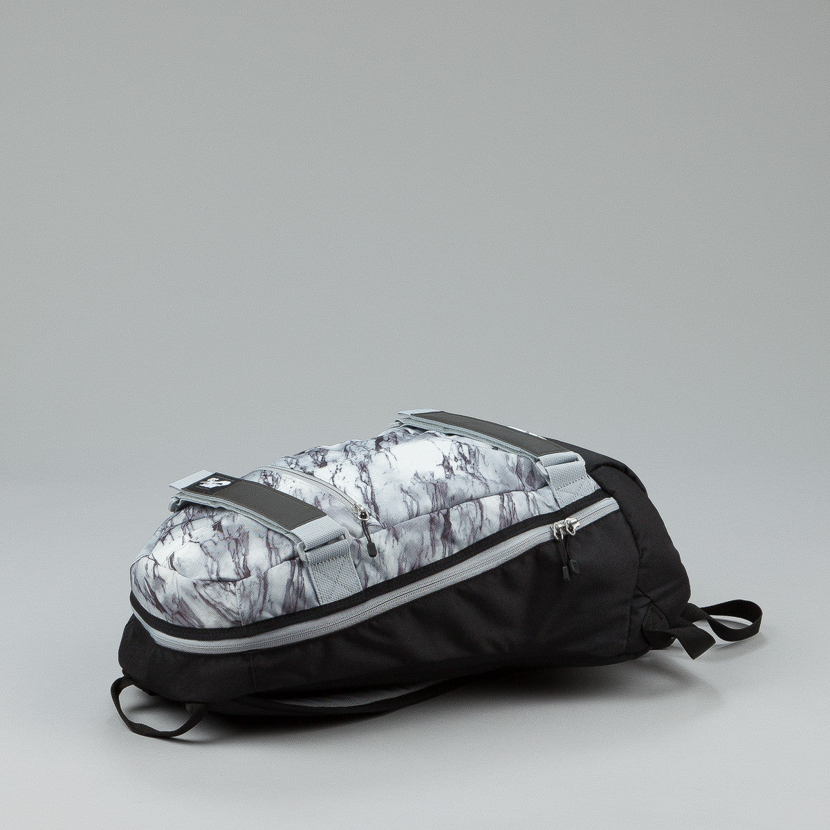 Nike SB Embarca Medium Backpack - Black / Black / White